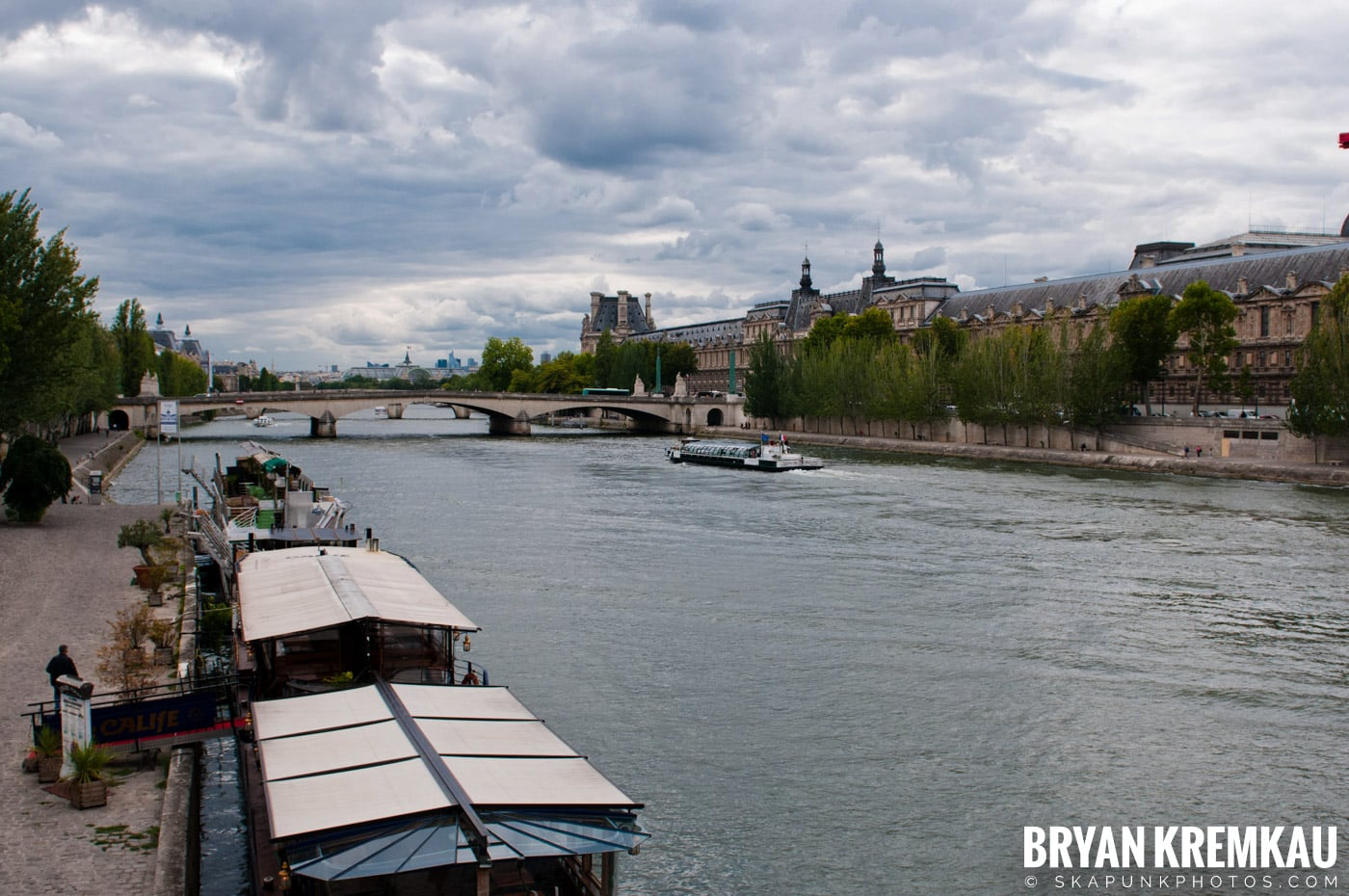 Paris, France Honeymoon - Day 1 - 7.18.11 (10)