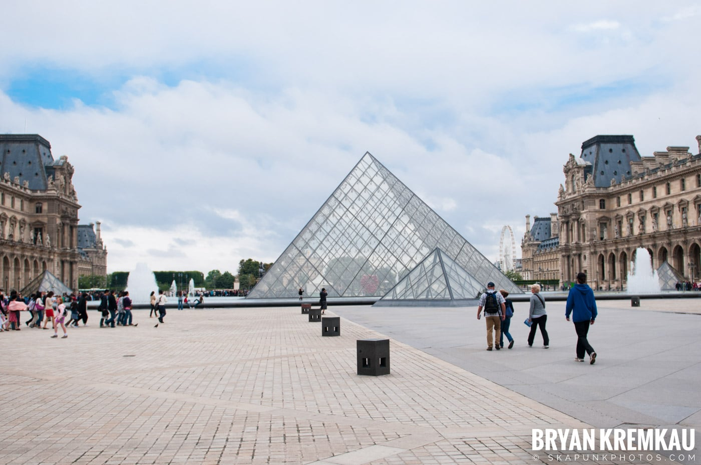 Paris, France Honeymoon - Day 3 - 7.20.11 (105)