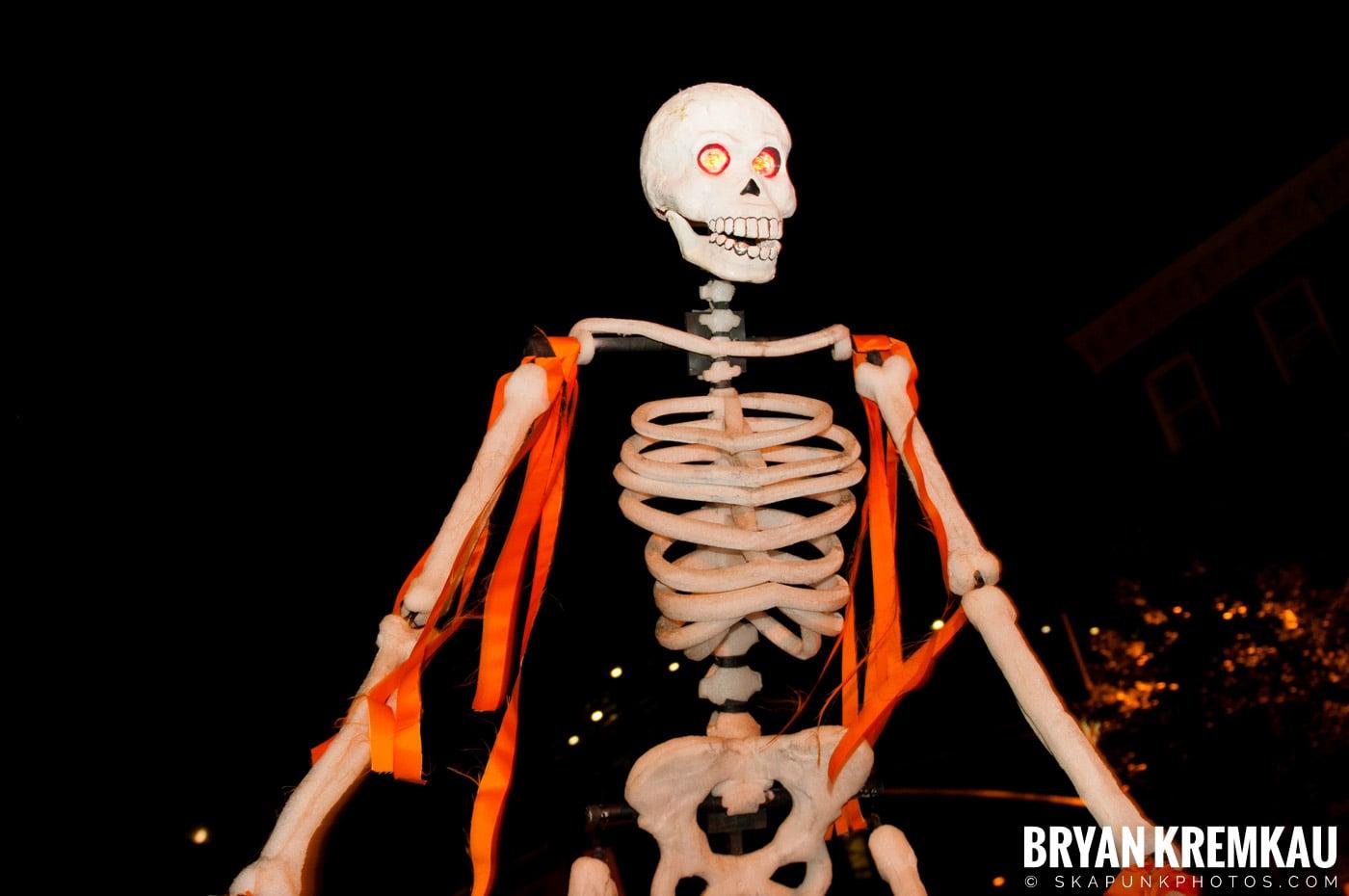 NYC Halloween Parade 2011 @ New York, NY - 10.31.11 (27)