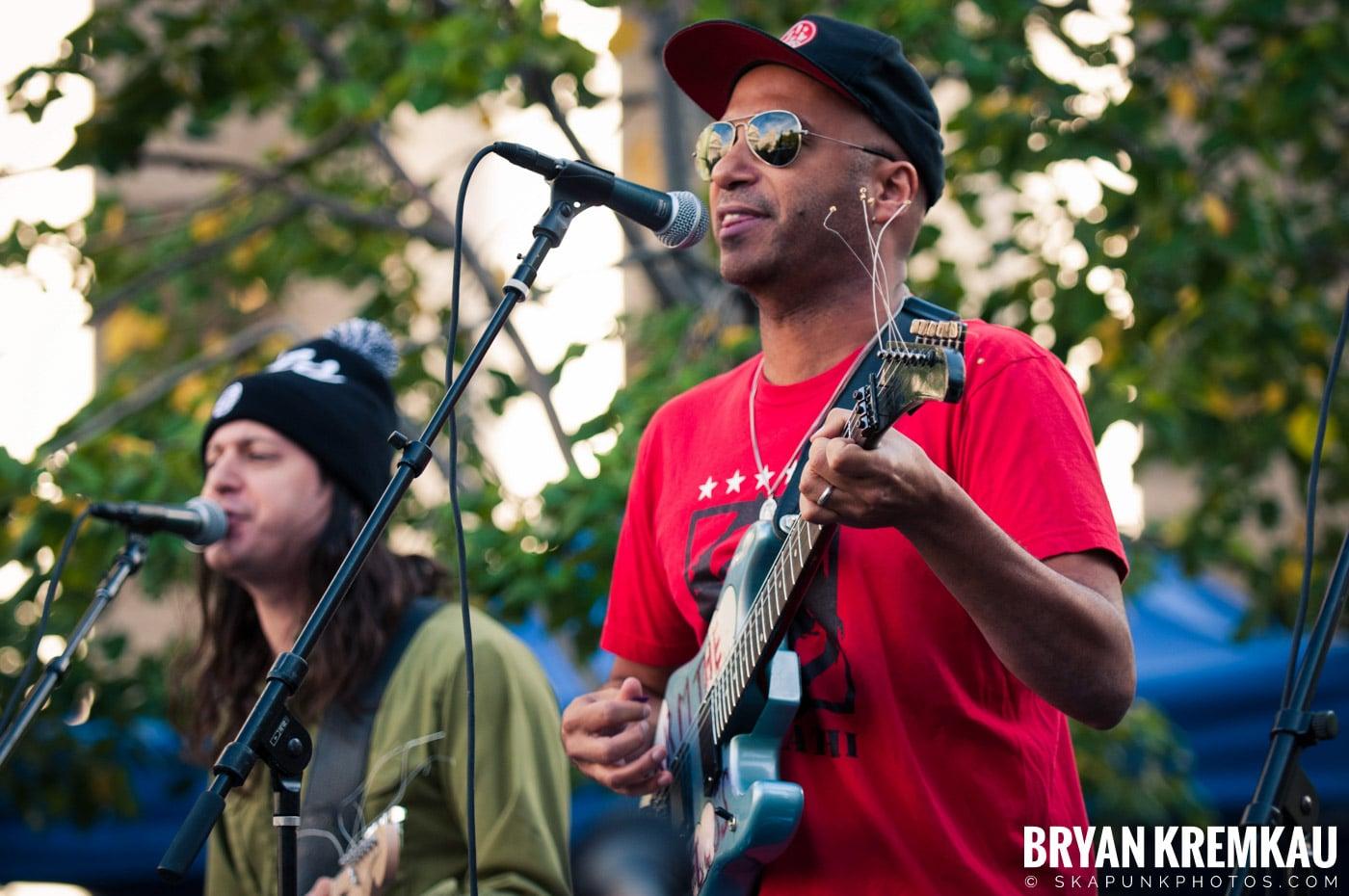 Tom Morello @ Occupy Wall Street Anniversary Concert, Foley Square, NYC - 9.16.12 (50)