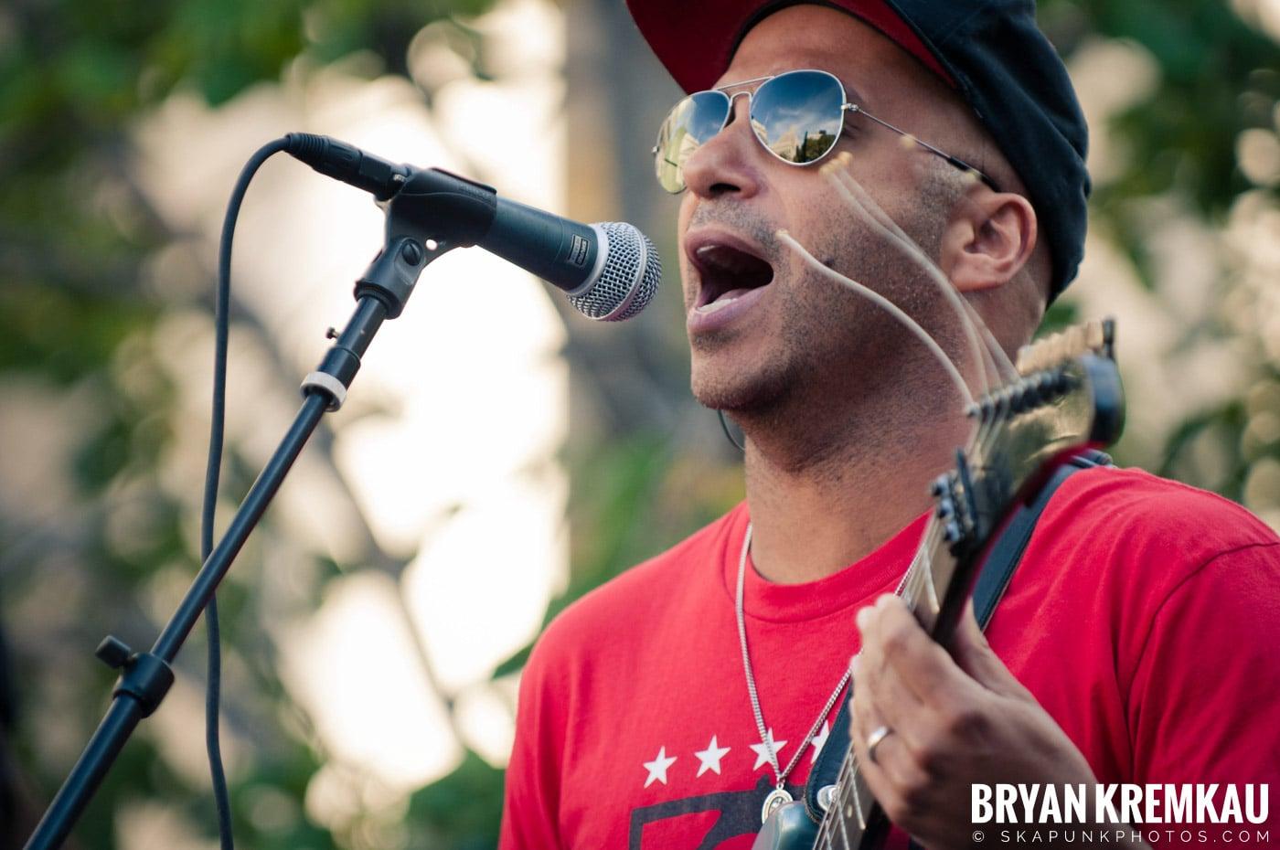 Tom Morello @ Occupy Wall Street Anniversary Concert, Foley Square, NYC - 9.16.12 (47)