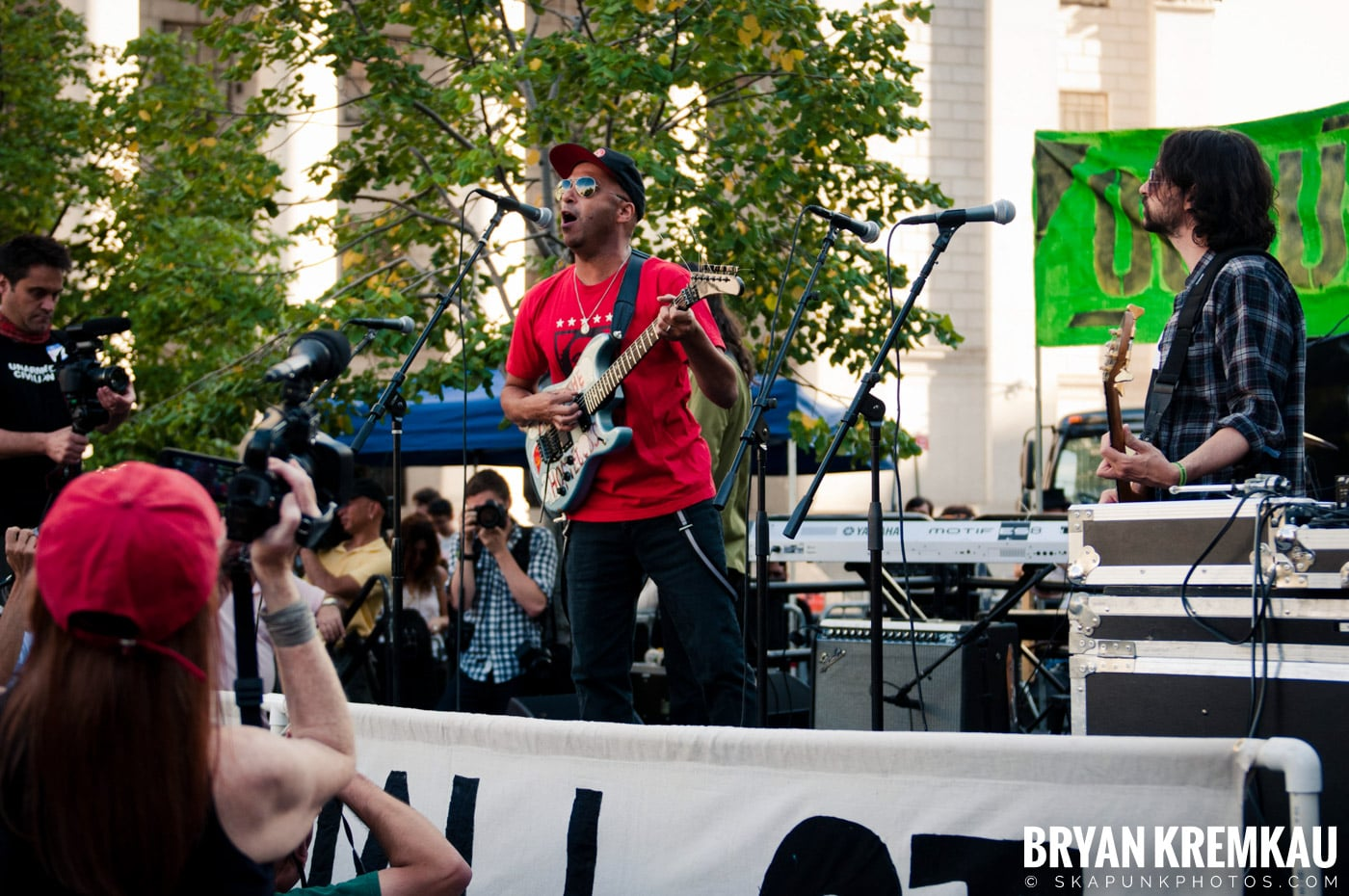Tom Morello @ Occupy Wall Street Anniversary Concert, Foley Square, NYC - 9.16.12 (40)