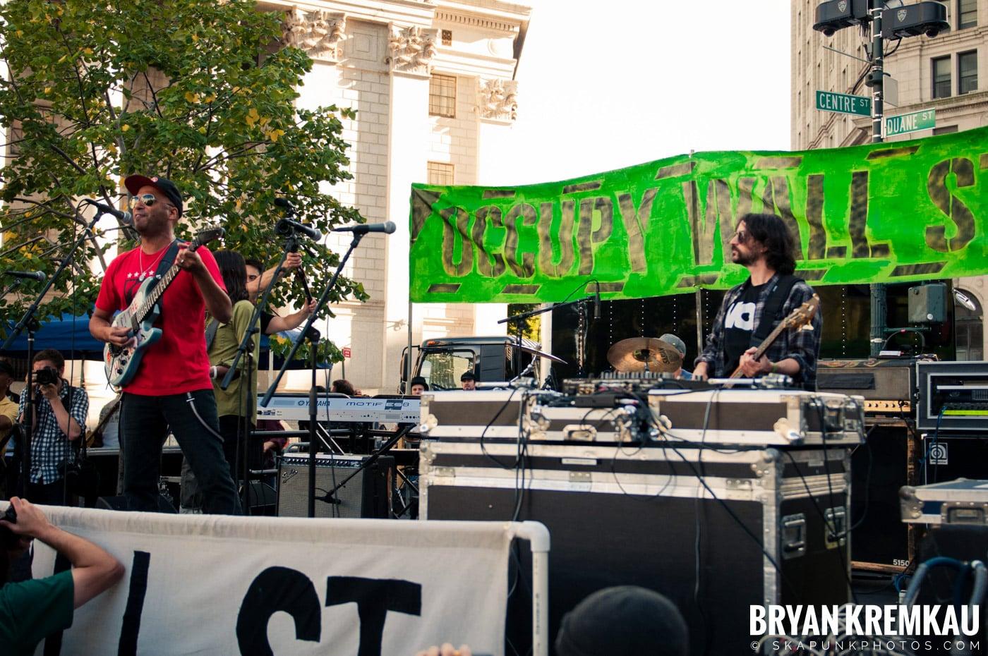 Tom Morello @ Occupy Wall Street Anniversary Concert, Foley Square, NYC - 9.16.12 (38)