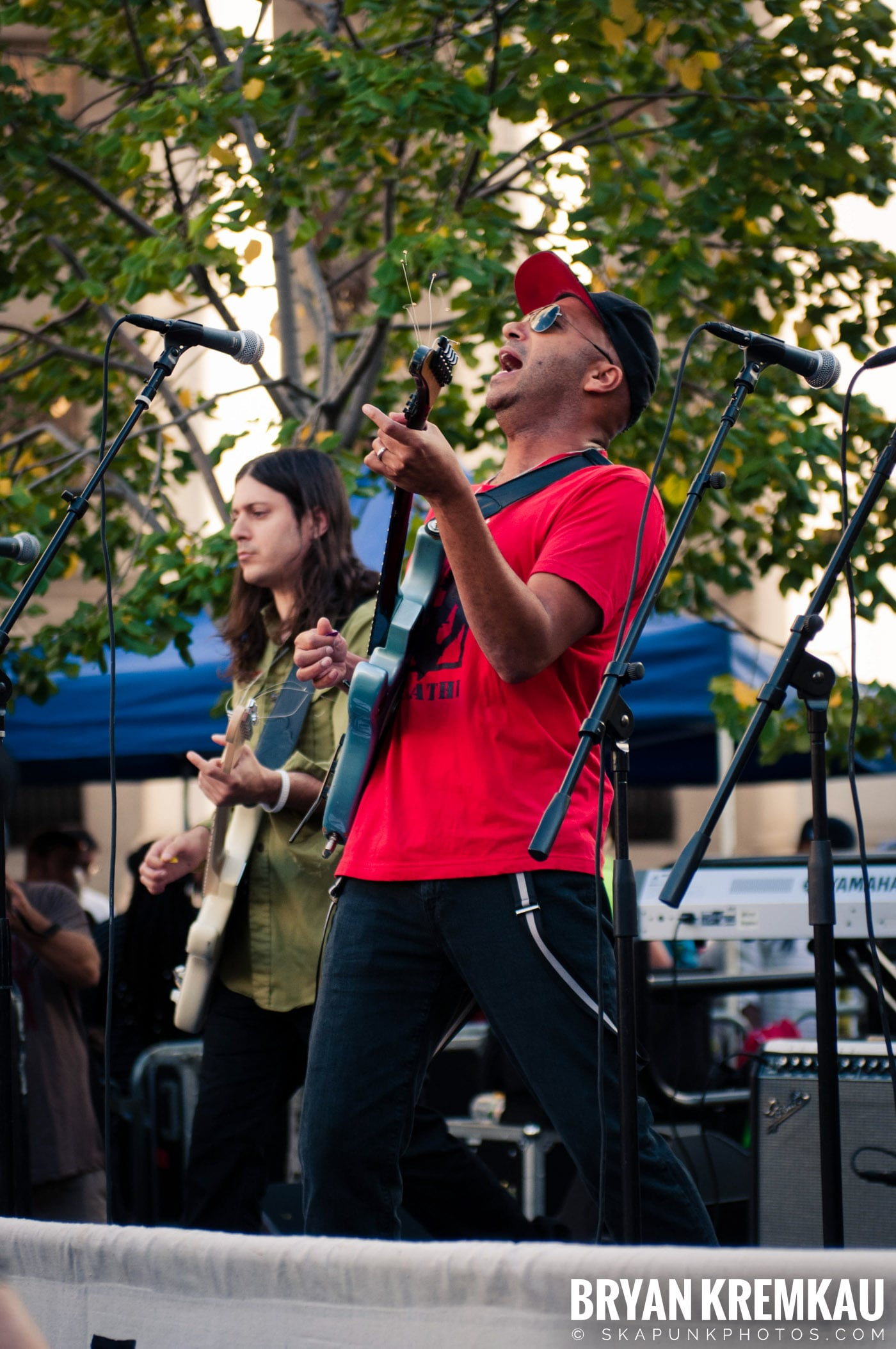 Tom Morello @ Occupy Wall Street Anniversary Concert, Foley Square, NYC - 9.16.12 (35)