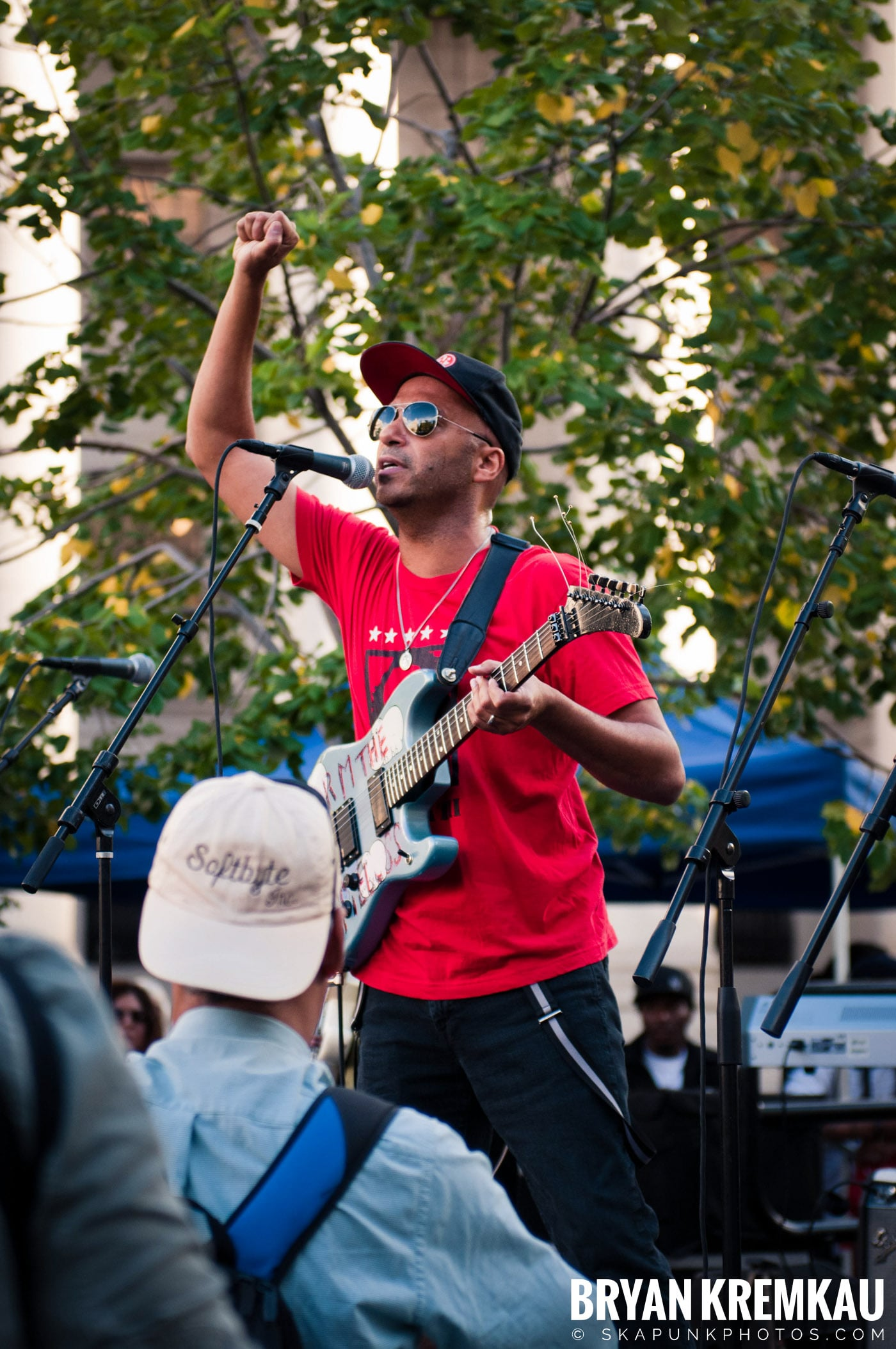 Tom Morello @ Occupy Wall Street Anniversary Concert, Foley Square, NYC - 9.16.12 (34)