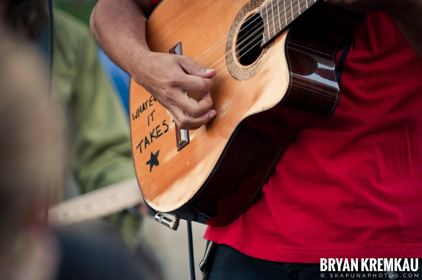 Tom Morello @ Occupy Wall Street Anniversary Concert, Foley Square, NYC - 9.16.12 (31)
