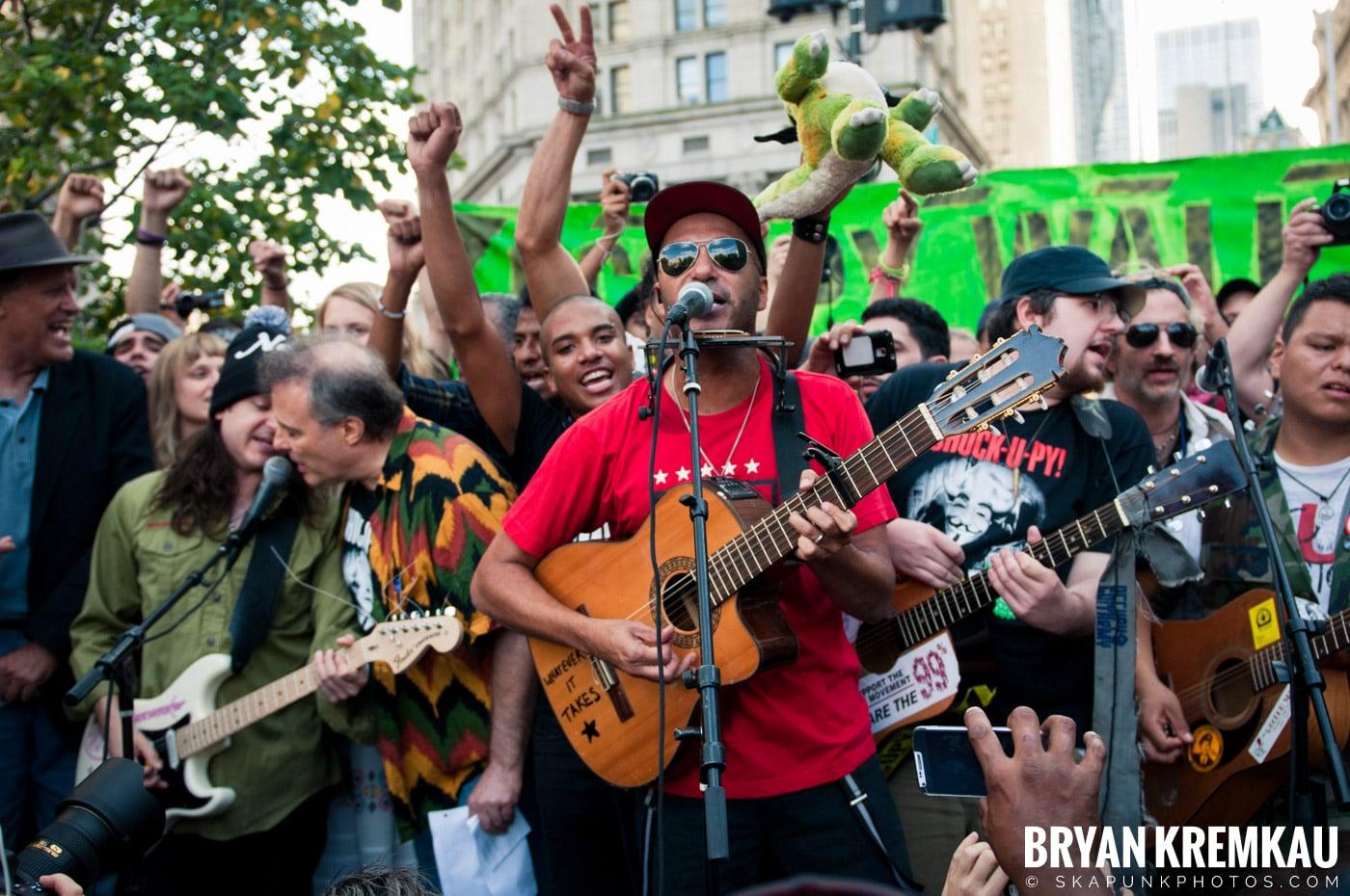 Tom Morello @ Occupy Wall Street Anniversary Concert, Foley Square, NYC - 9.16.12 (21)