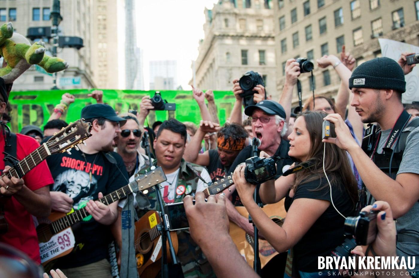 Tom Morello @ Occupy Wall Street Anniversary Concert, Foley Square, NYC - 9.16.12 (20)