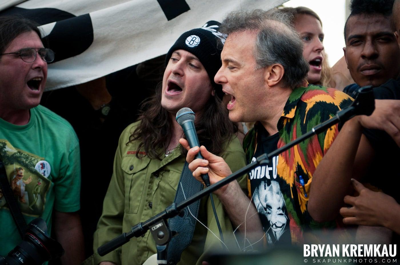 Tom Morello @ Occupy Wall Street Anniversary Concert, Foley Square, NYC - 9.16.12 (18)