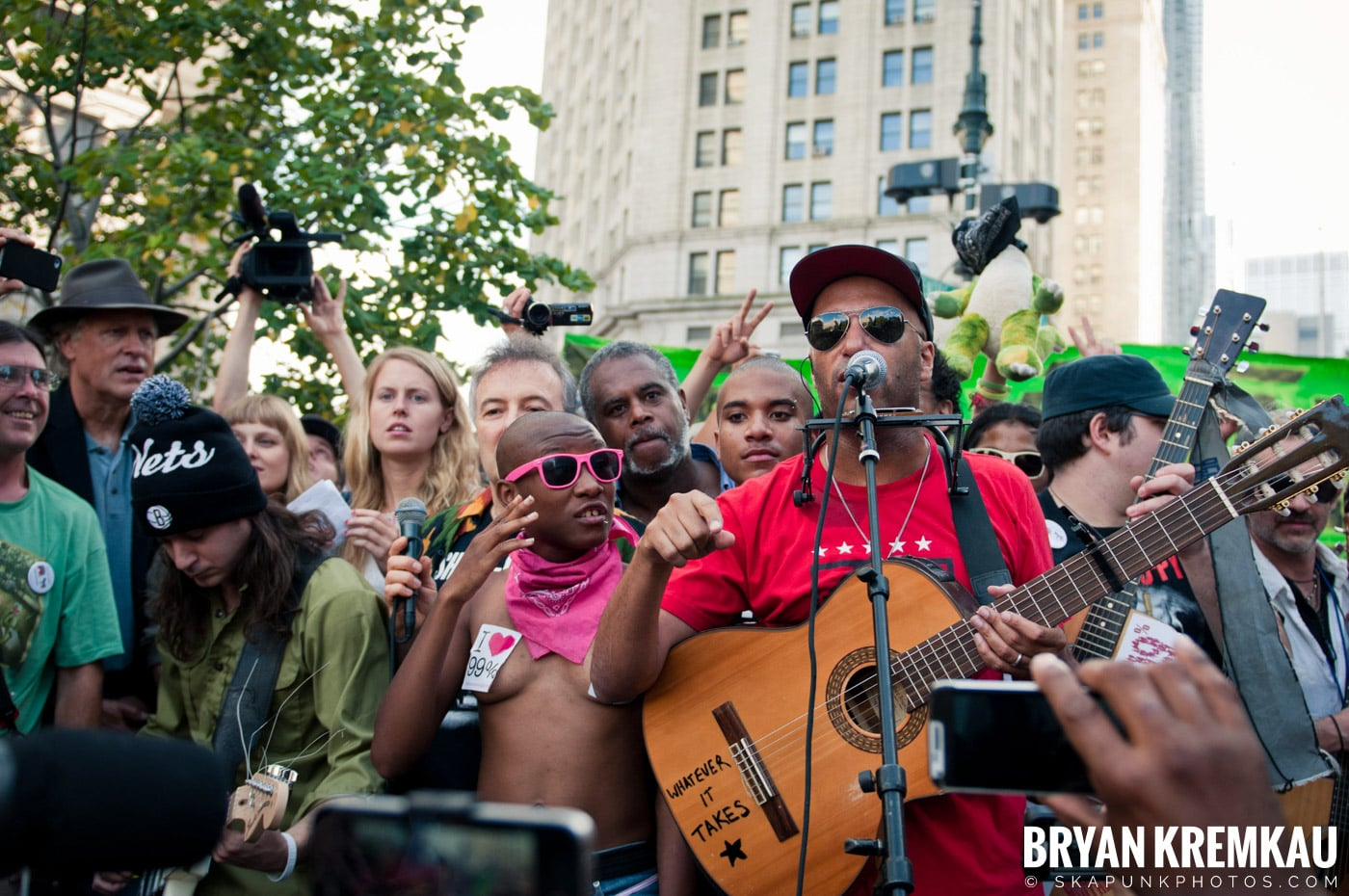 Tom Morello @ Occupy Wall Street Anniversary Concert, Foley Square, NYC - 9.16.12 (17)