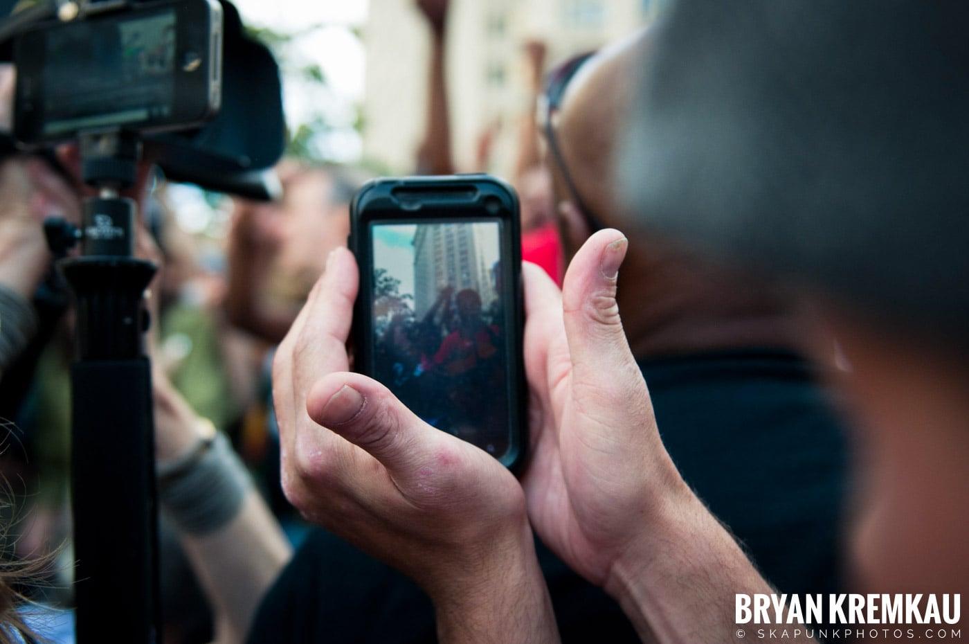 Tom Morello @ Occupy Wall Street Anniversary Concert, Foley Square, NYC - 9.16.12 (16)