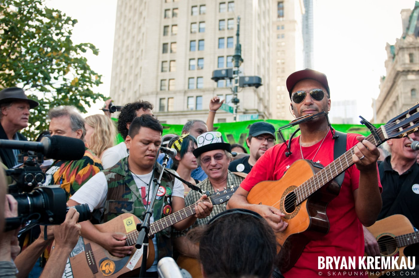 Tom Morello @ Occupy Wall Street Anniversary Concert, Foley Square, NYC - 9.16.12 (14)