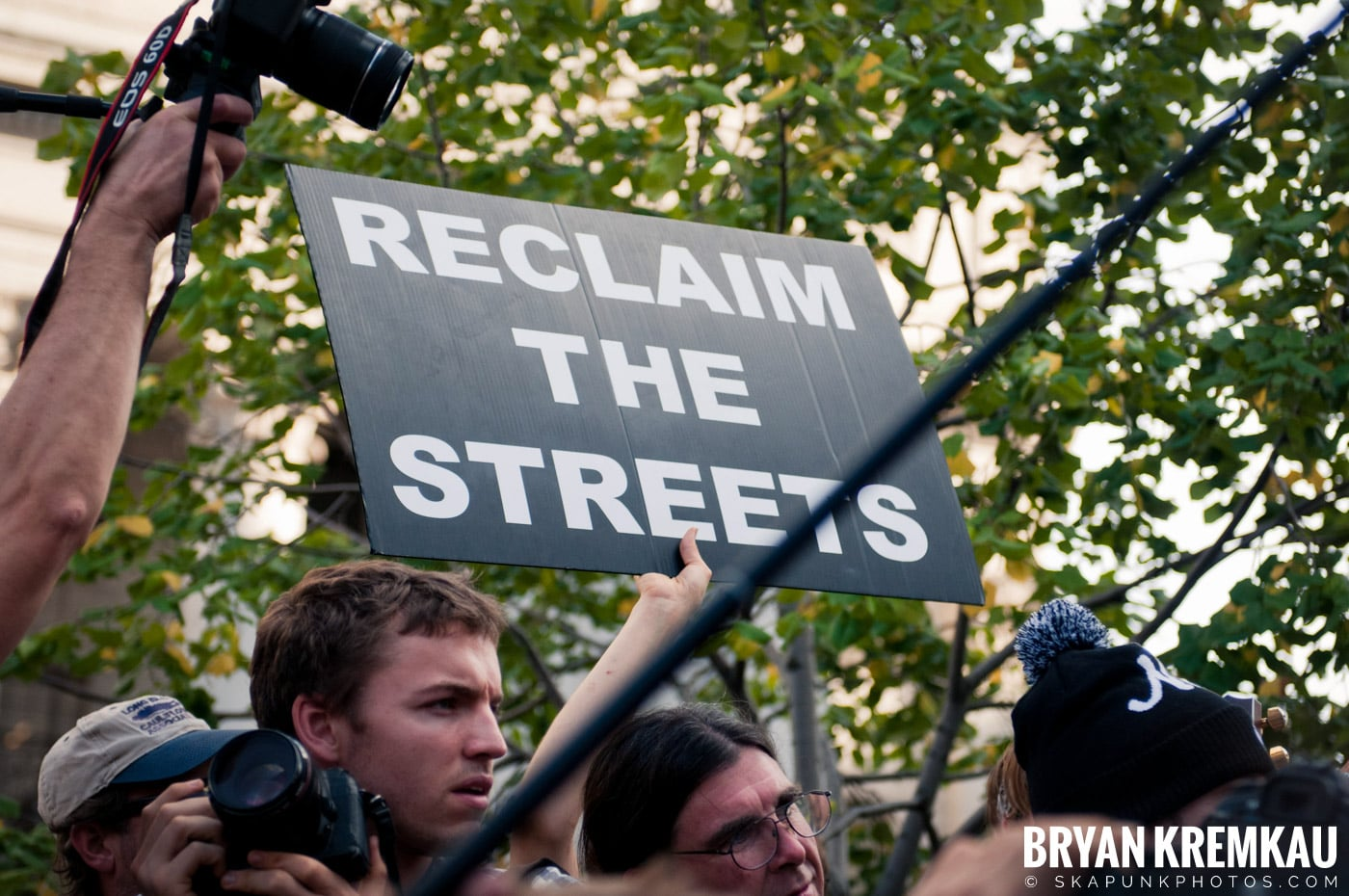 Tom Morello @ Occupy Wall Street Anniversary Concert, Foley Square, NYC - 9.16.12 (8)