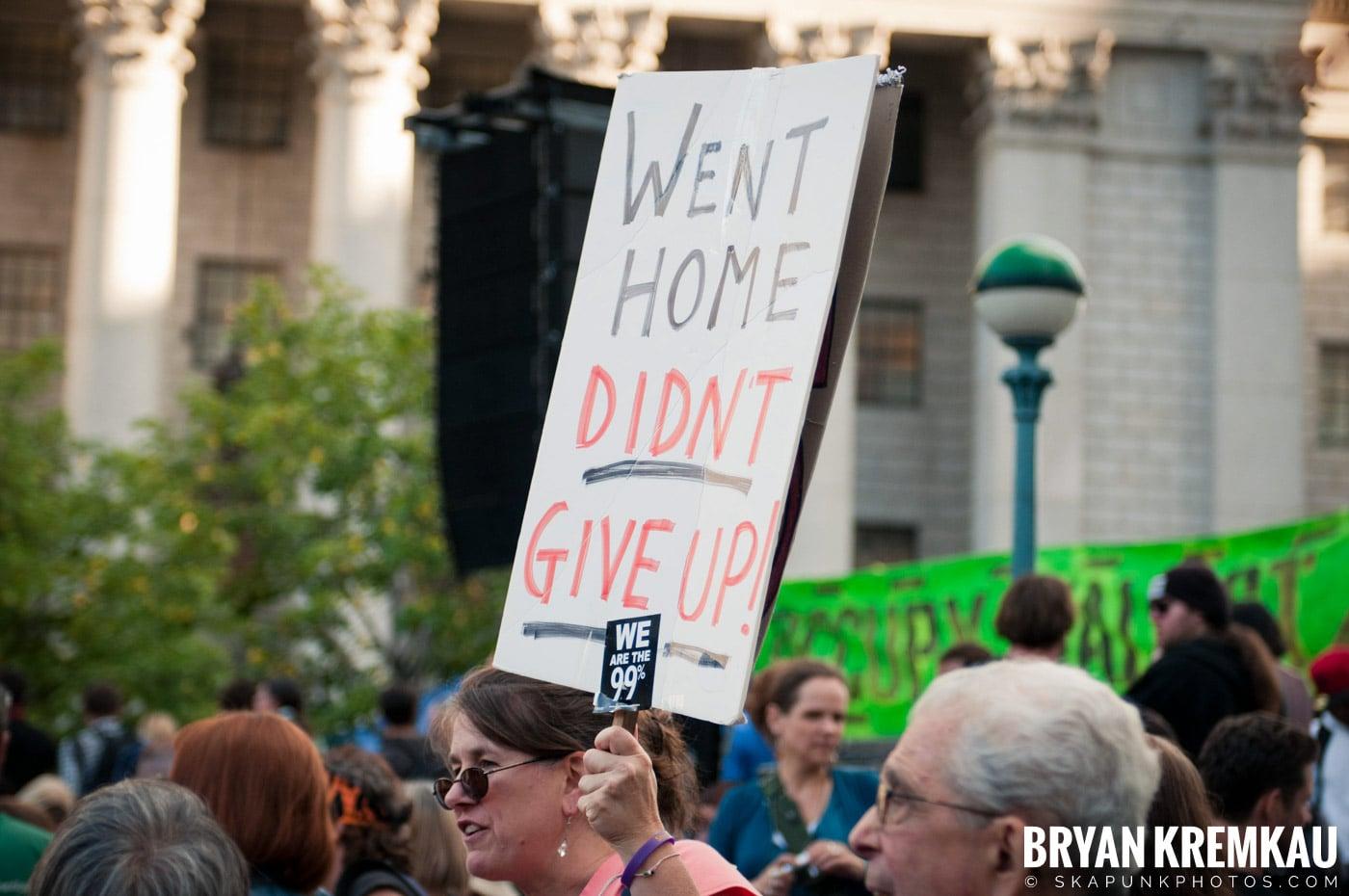 Tom Morello @ Occupy Wall Street Anniversary Concert, Foley Square, NYC - 9.16.12 (6)