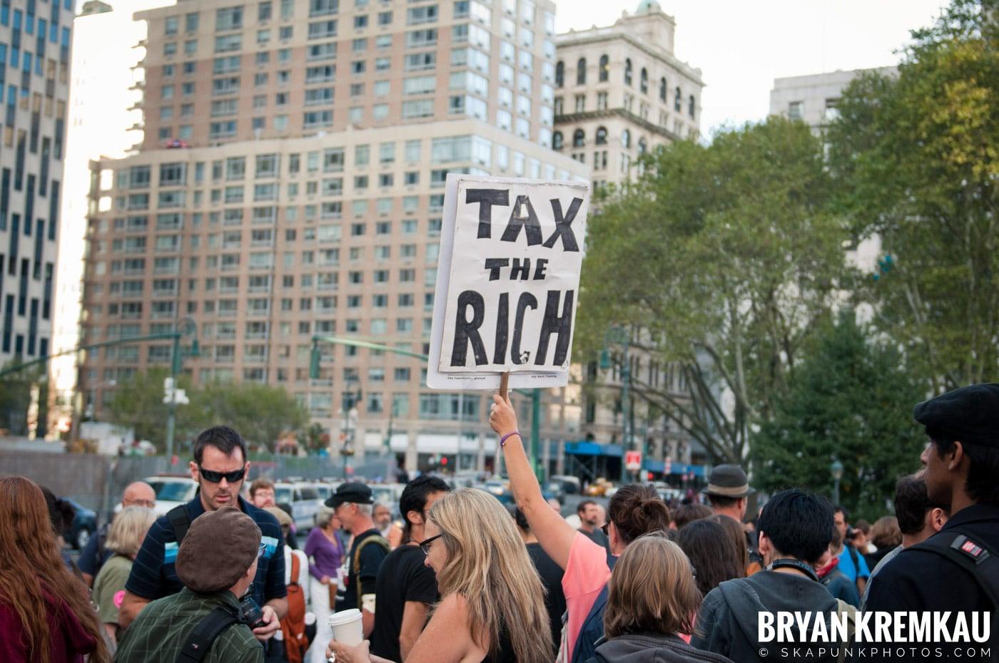 Tom Morello @ Occupy Wall Street Anniversary Concert, Foley Square, NYC - 9.16.12 (4)
