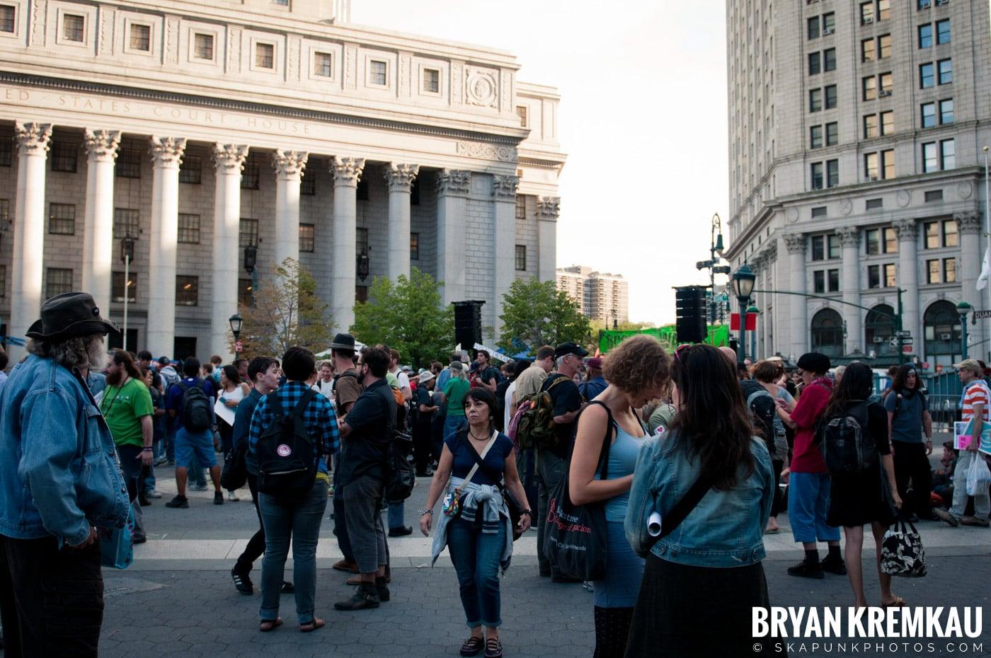 Tom Morello @ Occupy Wall Street Anniversary Concert, Foley Square, NYC - 9.16.12 (1)