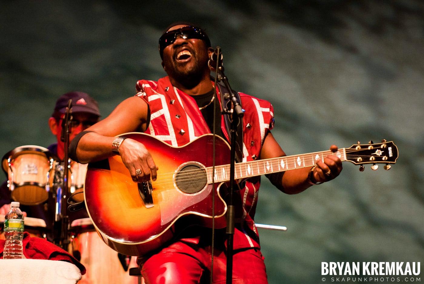 Toots and The Maytals @ Sugar Loaf Performing Arts Center, Sugar Loaf, NY - 11.3.12 (19)