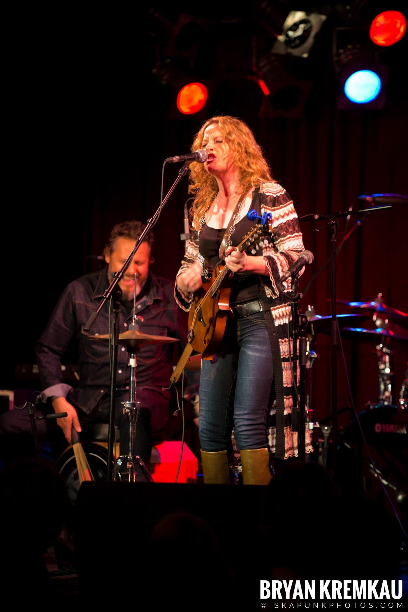 Amy Helm @ B.B. Kings Blues & Grill, NYC - 1.11.13 (15)
