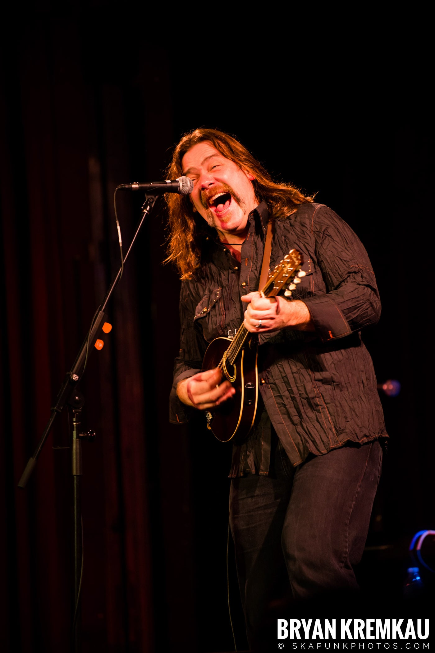 Alan Doyle @ B.B. King Blues & Grill, NYC - 1.11.13 (6)