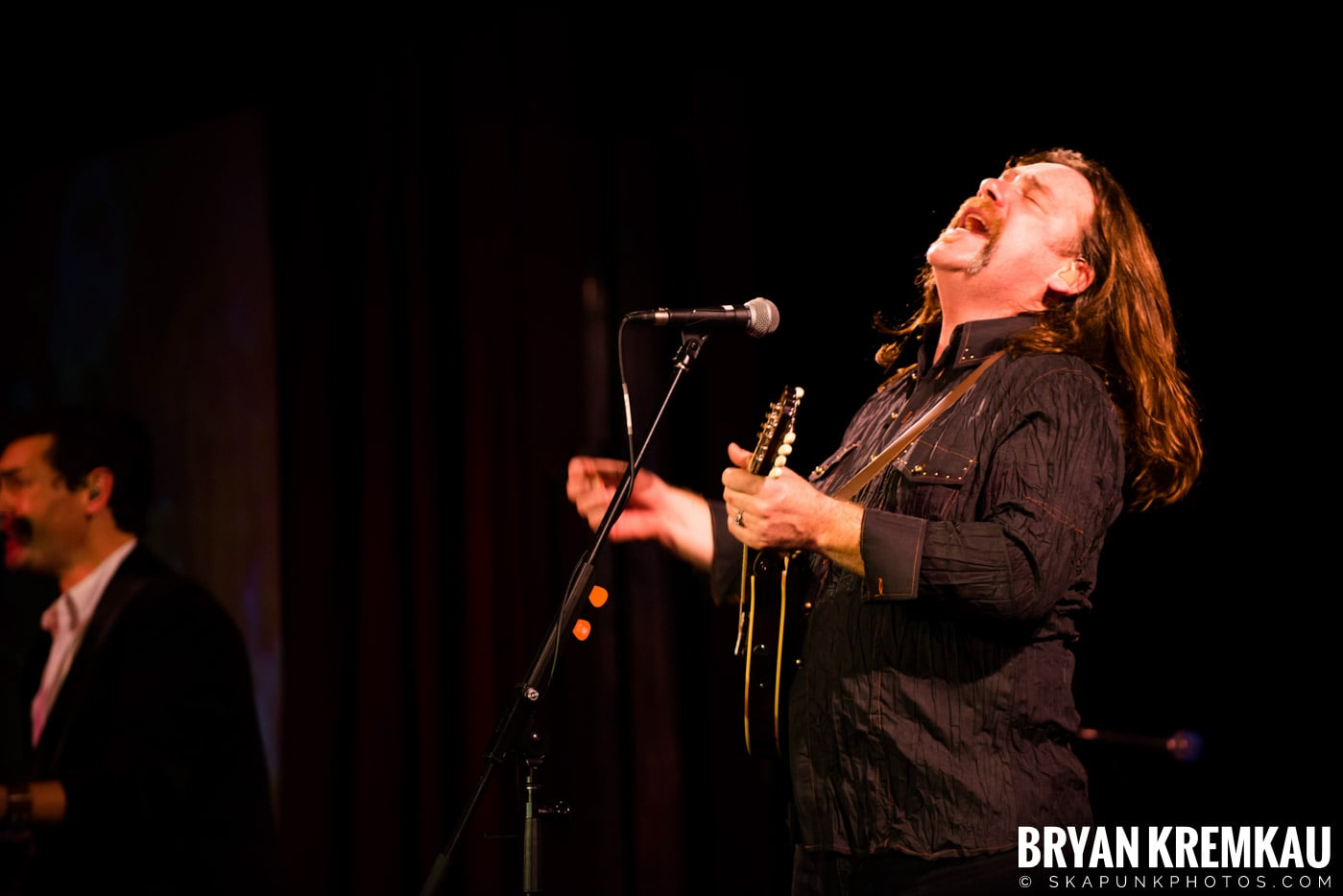 Alan Doyle @ B.B. King Blues & Grill, NYC - 1.11.13 (5)