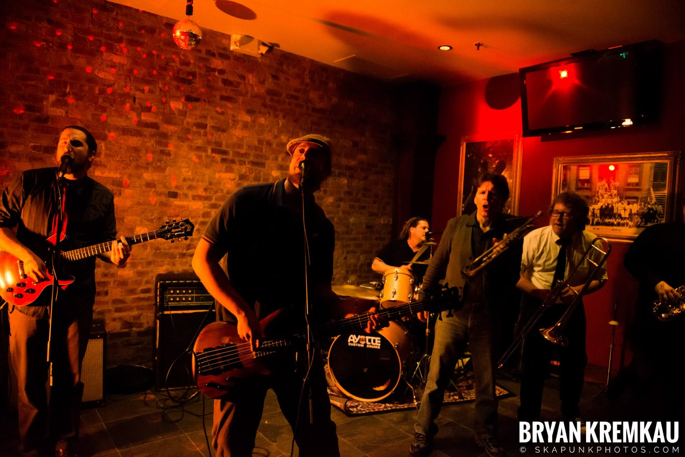 The Bullbuckers @ Characters (Electric Avenue), NYC - 1.19.13 (9)