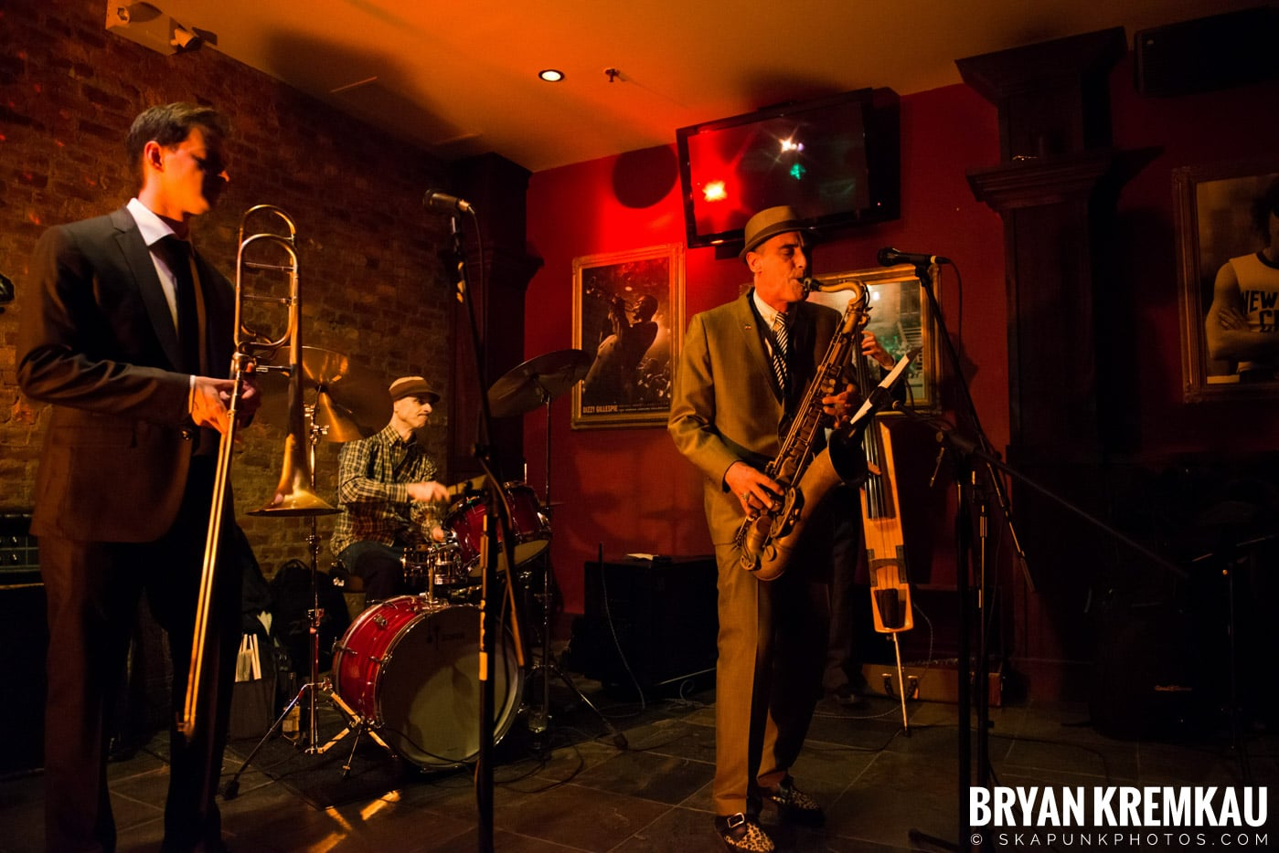 The Scofflaws @ Characters (Electric Avenue), NYC – 1.19.13 (45)