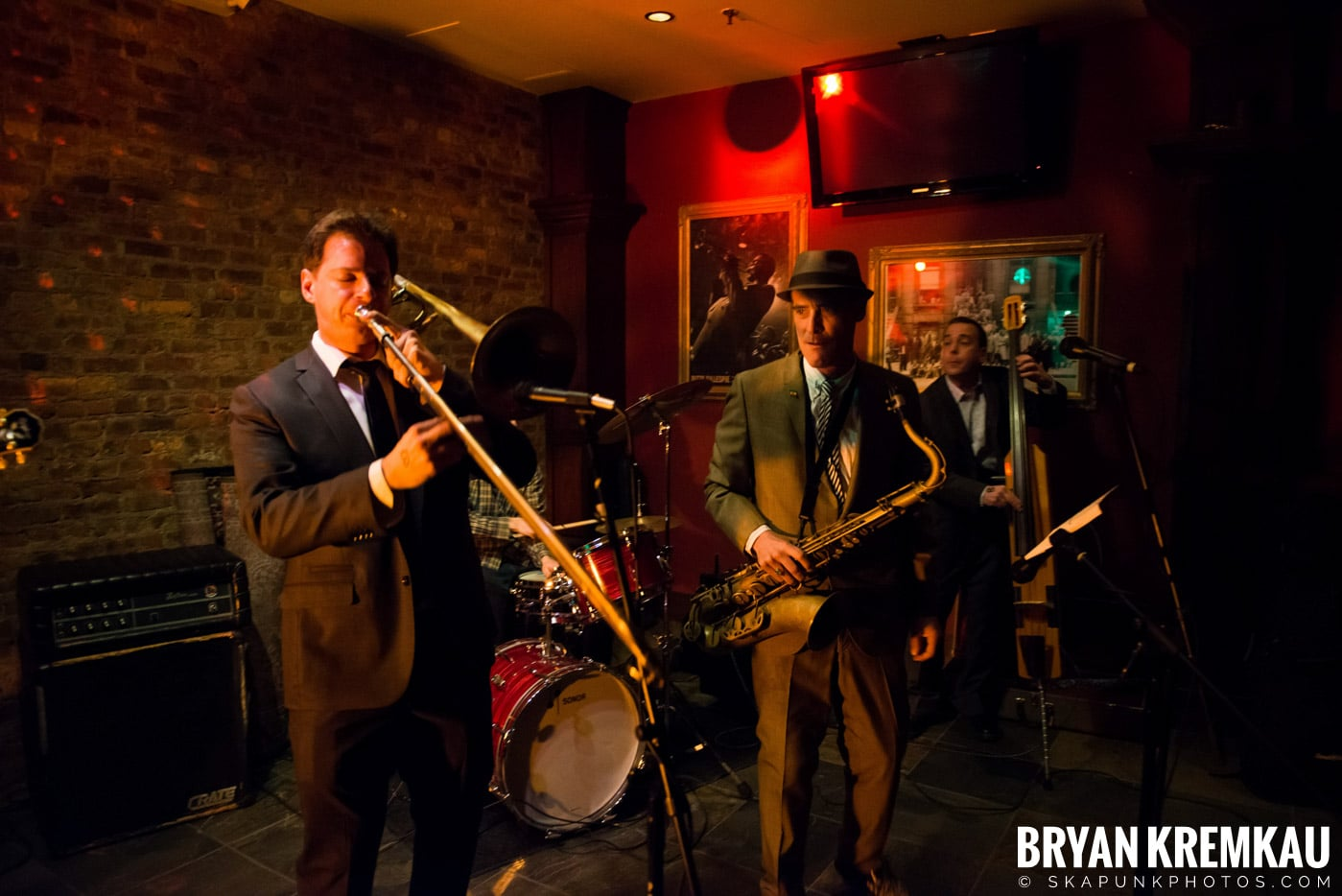 The Scofflaws @ Characters (Electric Avenue), NYC – 1.19.13 (44)