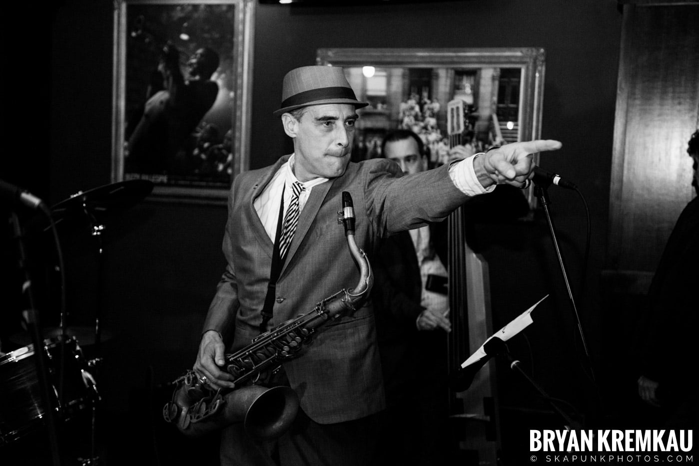 The Scofflaws @ Characters (Electric Avenue), NYC – 1.19.13 (42)
