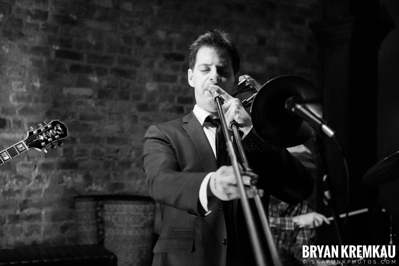 The Scofflaws @ Characters (Electric Avenue), NYC – 1.19.13 (38)