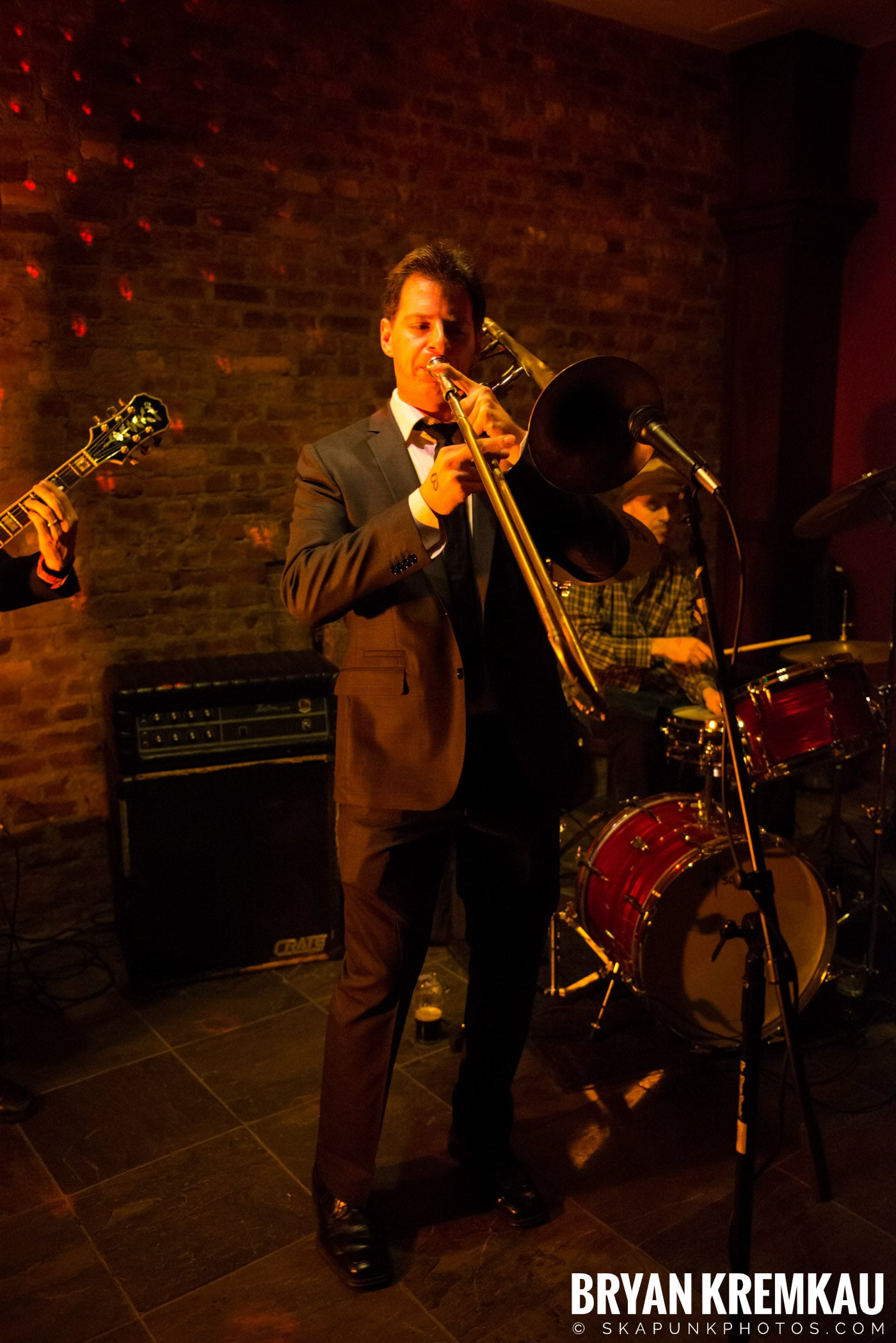 The Scofflaws @ Characters (Electric Avenue), NYC – 1.19.13 (36)