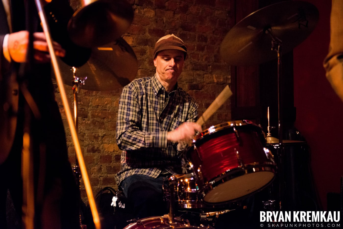 The Scofflaws @ Characters (Electric Avenue), NYC – 1.19.13 (35)