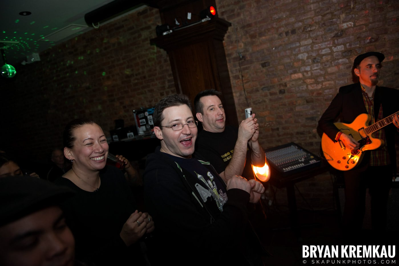 The Scofflaws @ Characters (Electric Avenue), NYC – 1.19.13 (30)