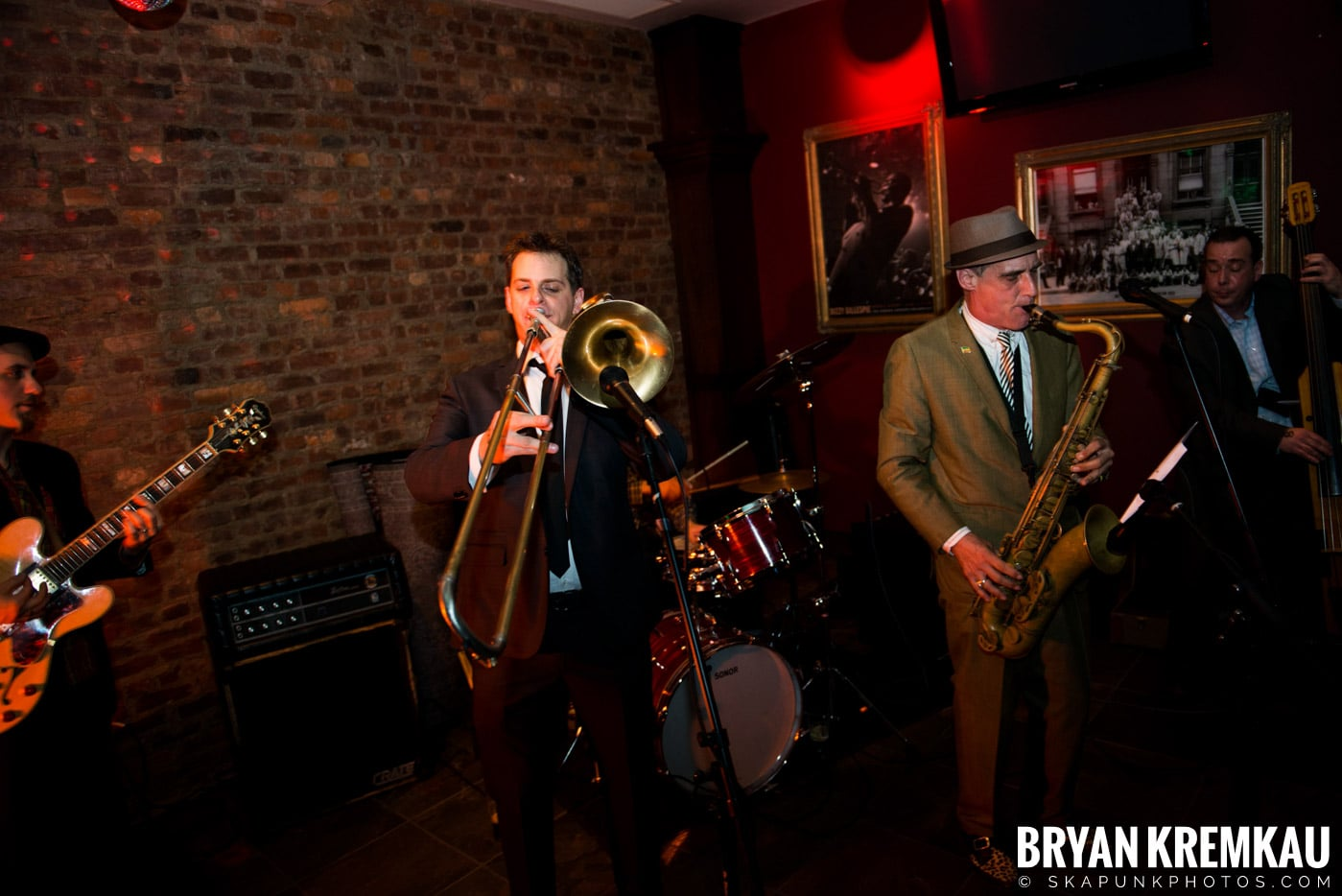The Scofflaws @ Characters (Electric Avenue), NYC – 1.19.13 (29)