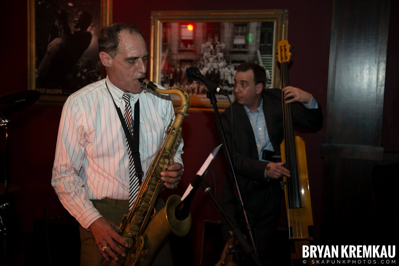 The Scofflaws @ Characters (Electric Avenue), NYC – 1.19.13 (27)