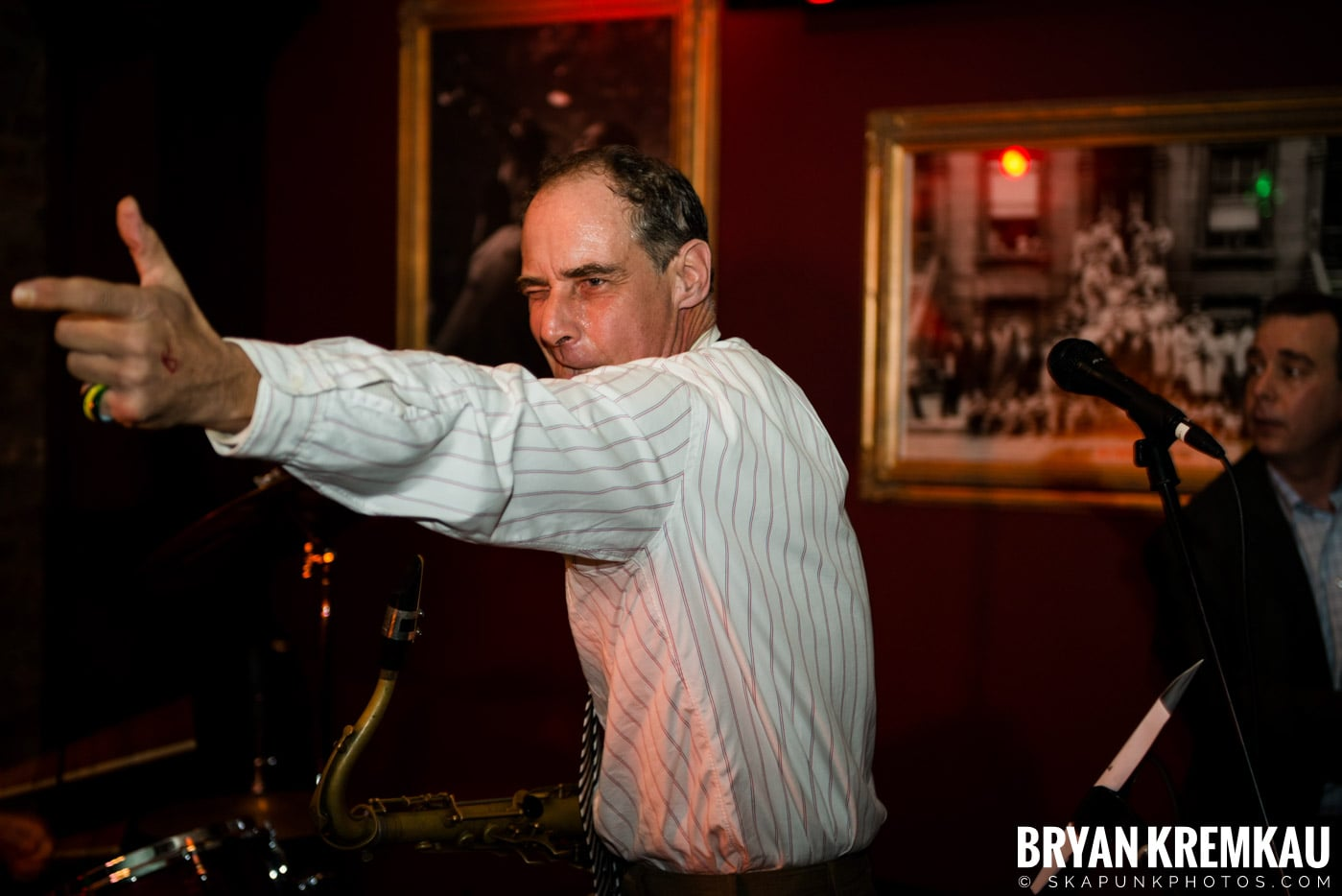 The Scofflaws @ Characters (Electric Avenue), NYC – 1.19.13 (24)