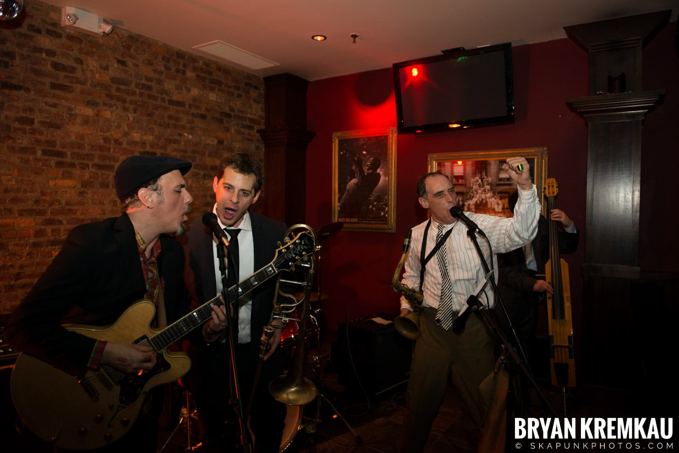 The Scofflaws @ Characters (Electric Avenue), NYC – 1.19.13 (22)