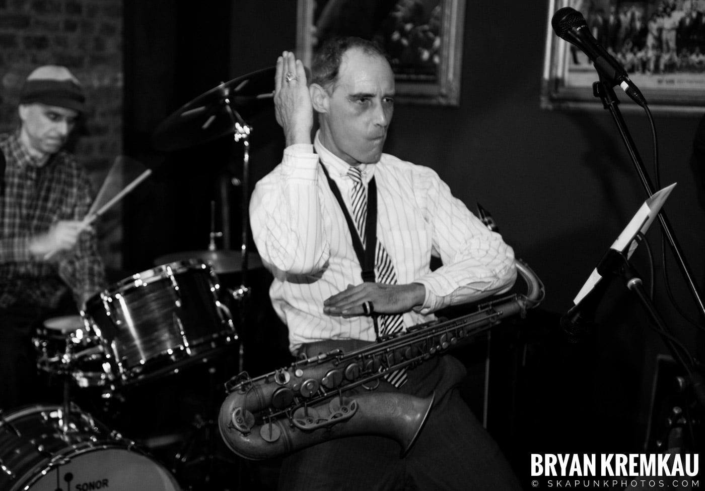 The Scofflaws @ Characters (Electric Avenue), NYC – 1.19.13 (15)