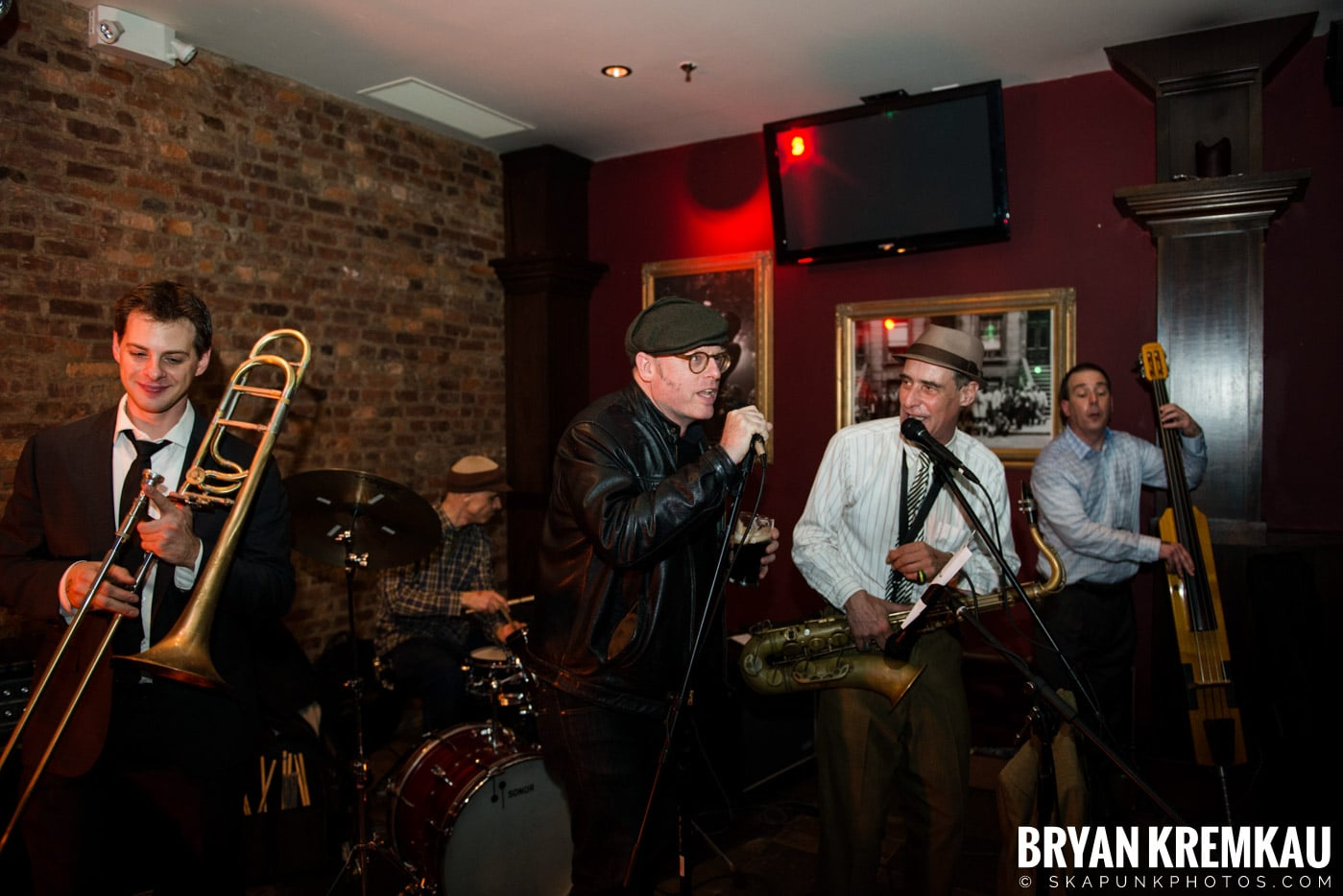 The Scofflaws @ Characters (Electric Avenue), NYC – 1.19.13 (7)