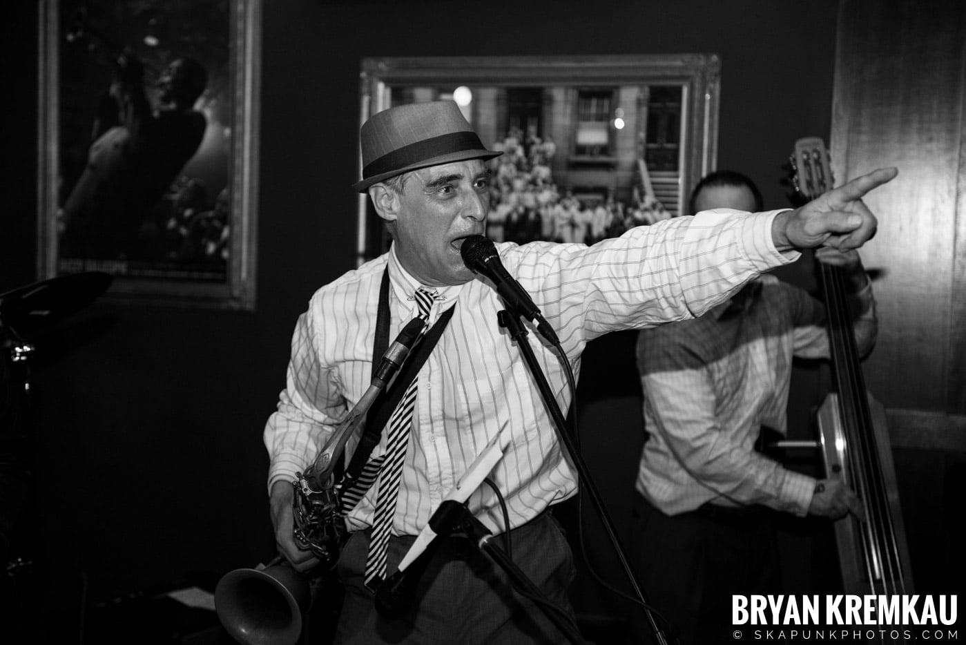 The Scofflaws @ Characters (Electric Avenue), NYC – 1.19.13 (5)