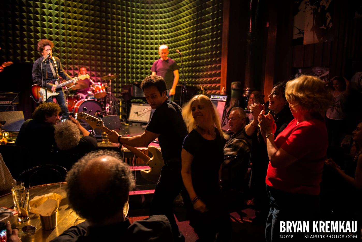 Willie Nile @ Joe's Pub, NYC - 4.3.13 (2)