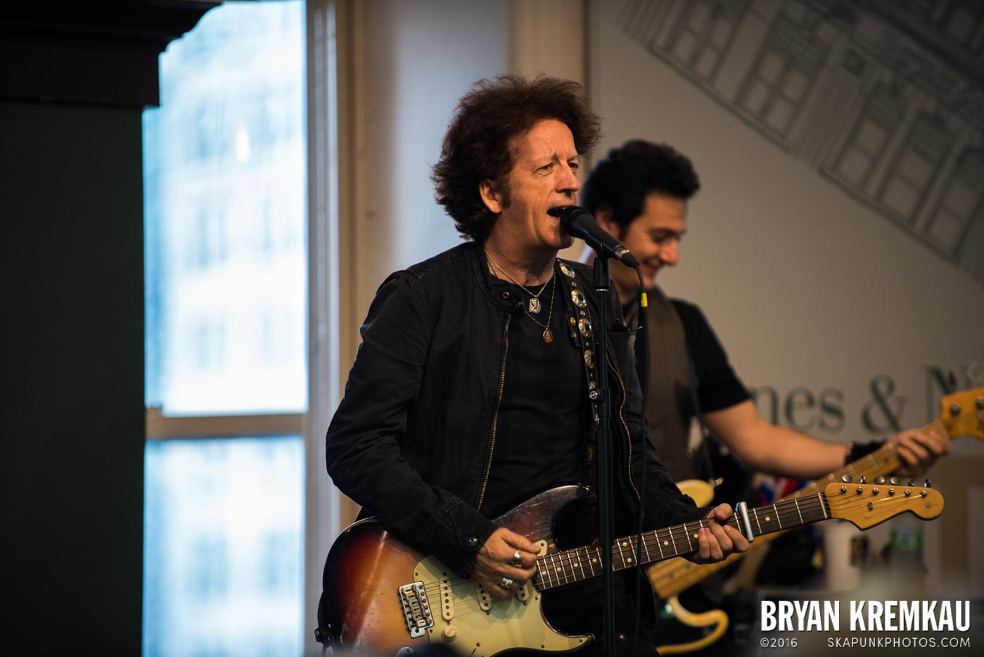 Willie Nile @ Barnes & Noble Union Square, NYC - June 25th 2013 (34)
