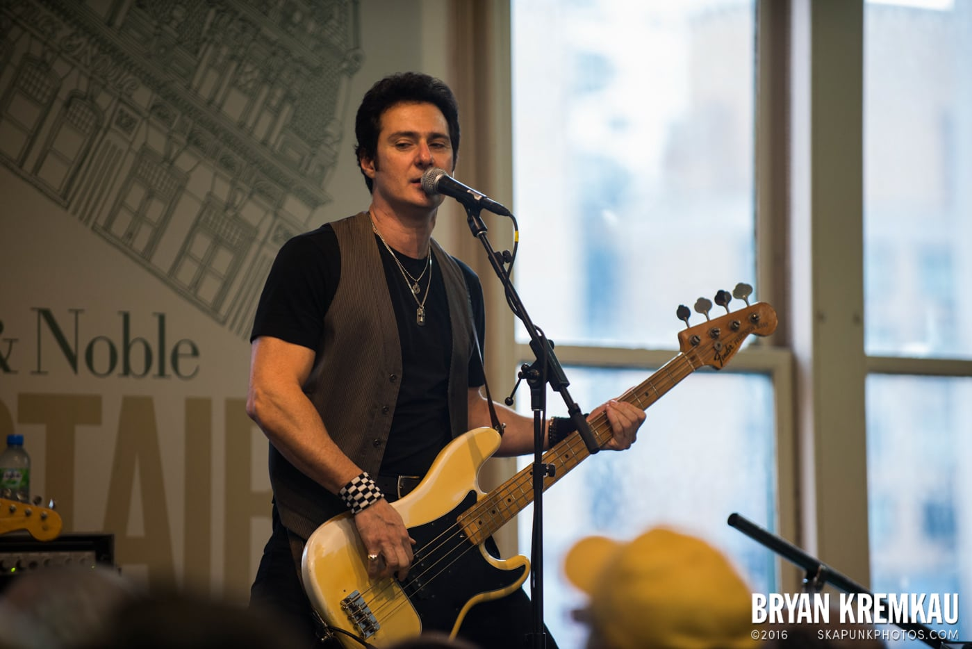 Willie Nile @ Barnes & Noble Union Square, NYC - June 25th 2013 (32)