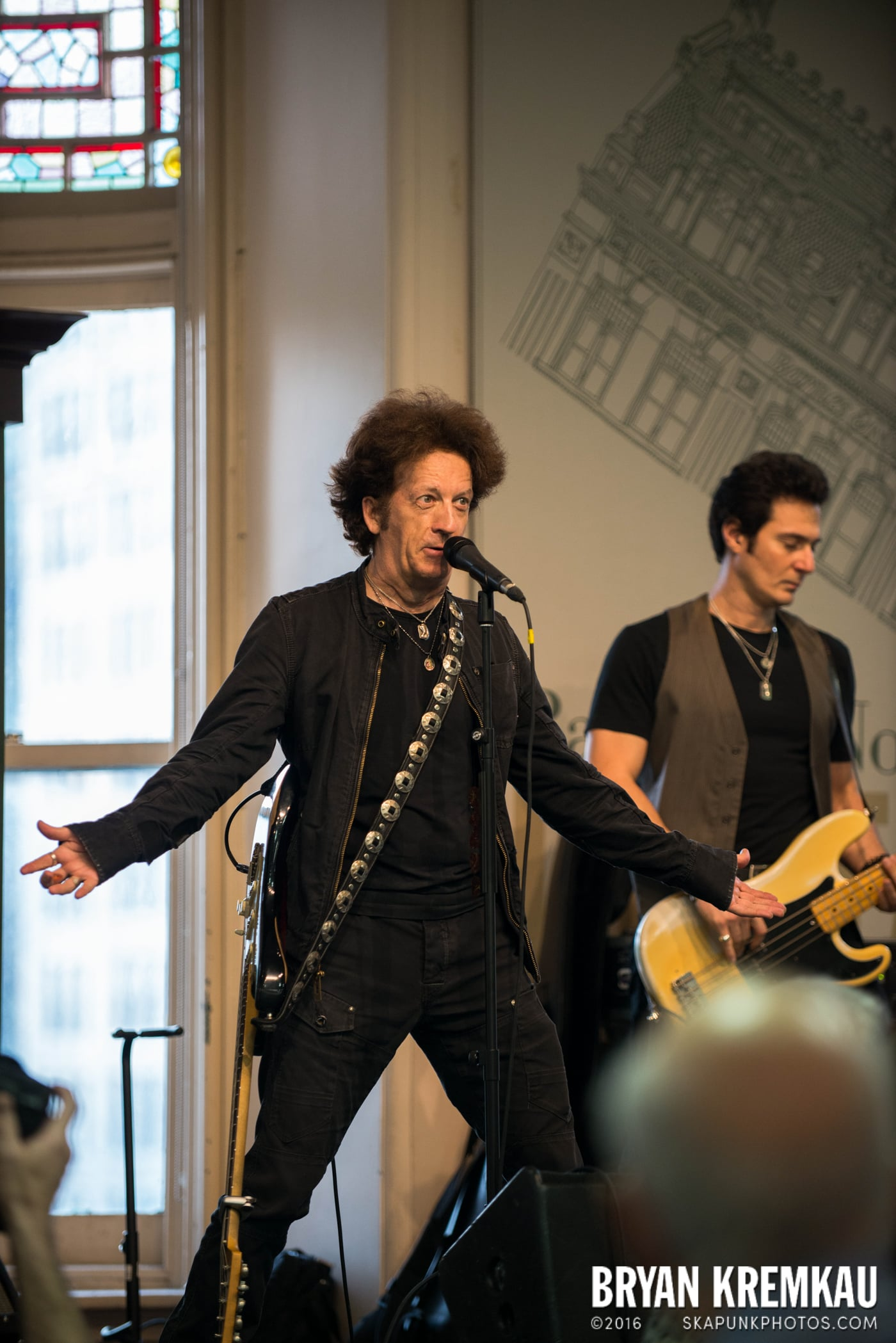 Willie Nile @ Barnes & Noble Union Square, NYC - June 25th 2013 (29)