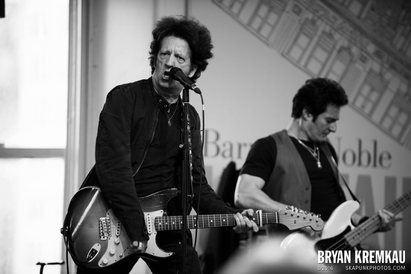 Willie Nile @ Barnes & Noble Union Square, NYC - June 25th 2013 (27)