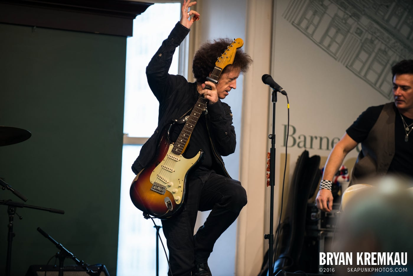 Willie Nile @ Barnes & Noble Union Square, NYC - June 25th 2013 (26)