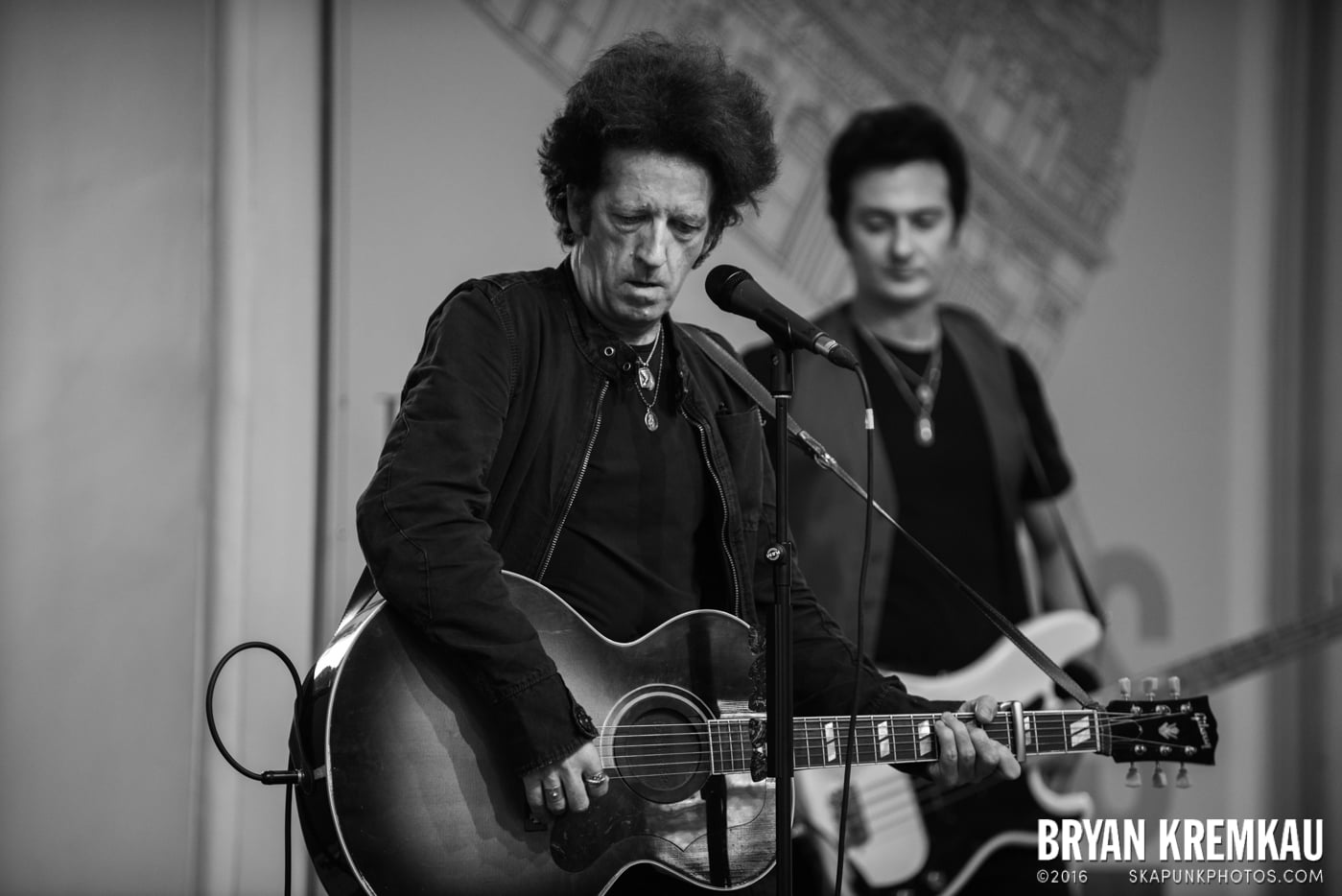 Willie Nile @ Barnes & Noble Union Square, NYC - June 25th 2013 (25)