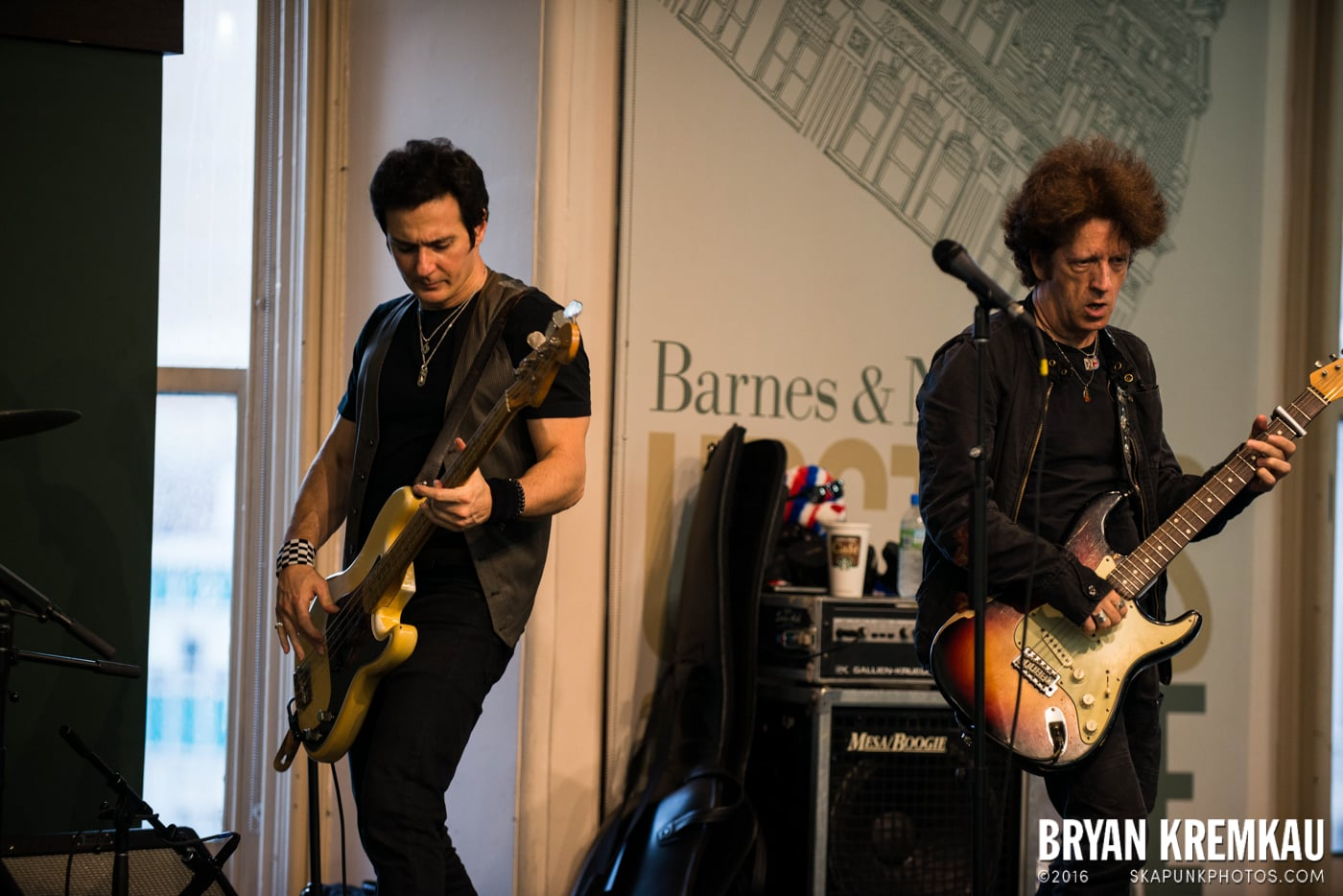 Willie Nile @ Barnes & Noble Union Square, NYC - June 25th 2013 (16)