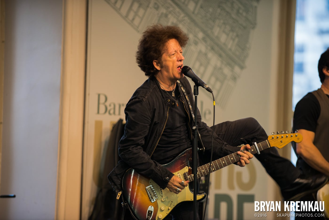 Willie Nile @ Barnes & Noble Union Square, NYC - June 25th 2013 (13)