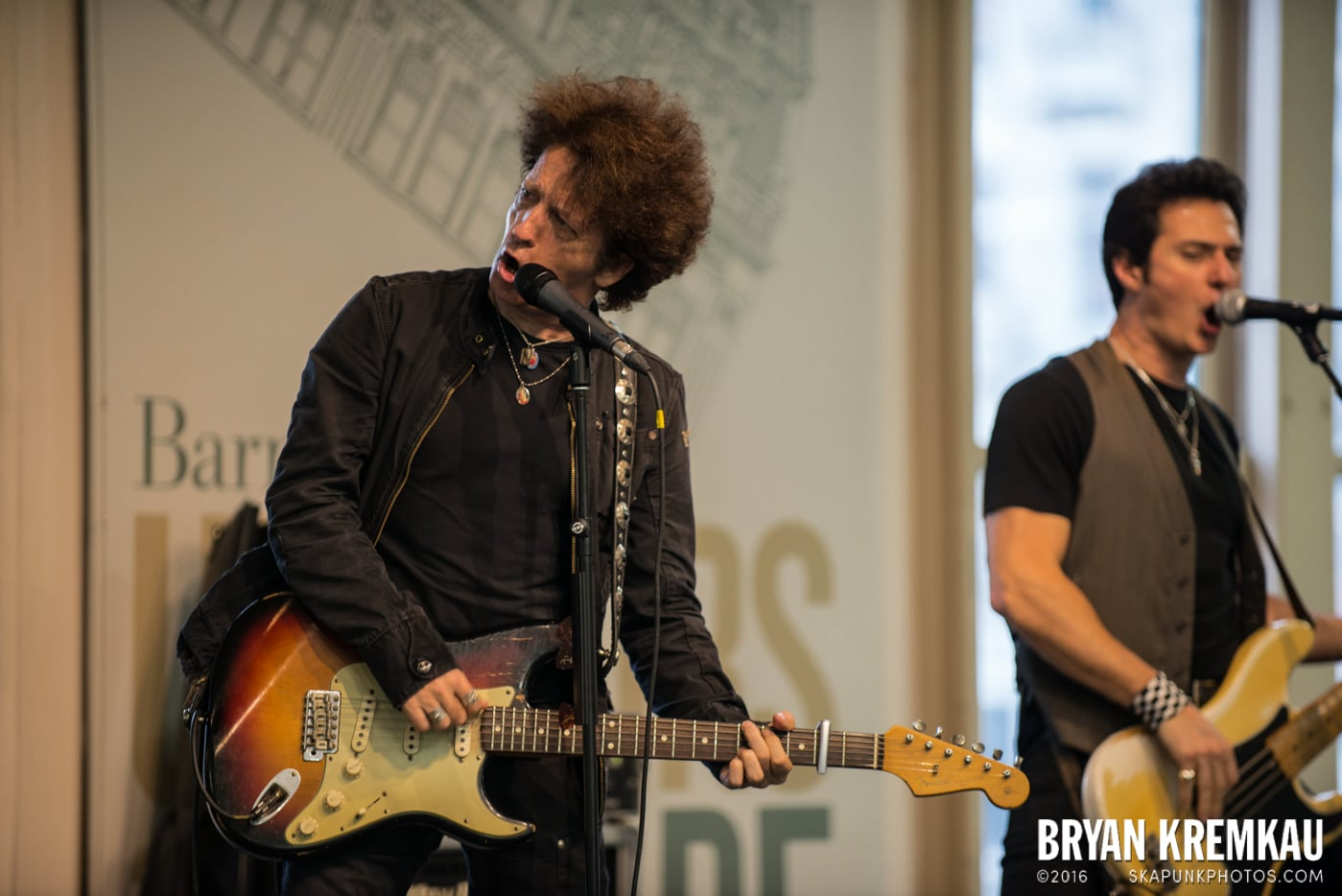 Willie Nile @ Barnes & Noble Union Square, NYC - June 25th 2013 (12)