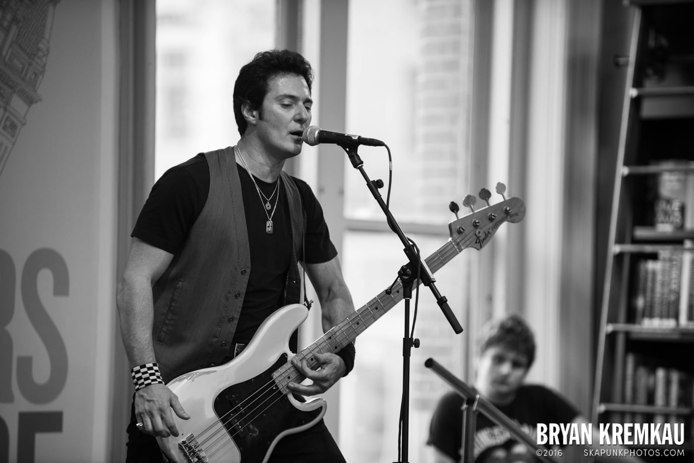 Willie Nile @ Barnes & Noble Union Square, NYC - June 25th 2013 (9)